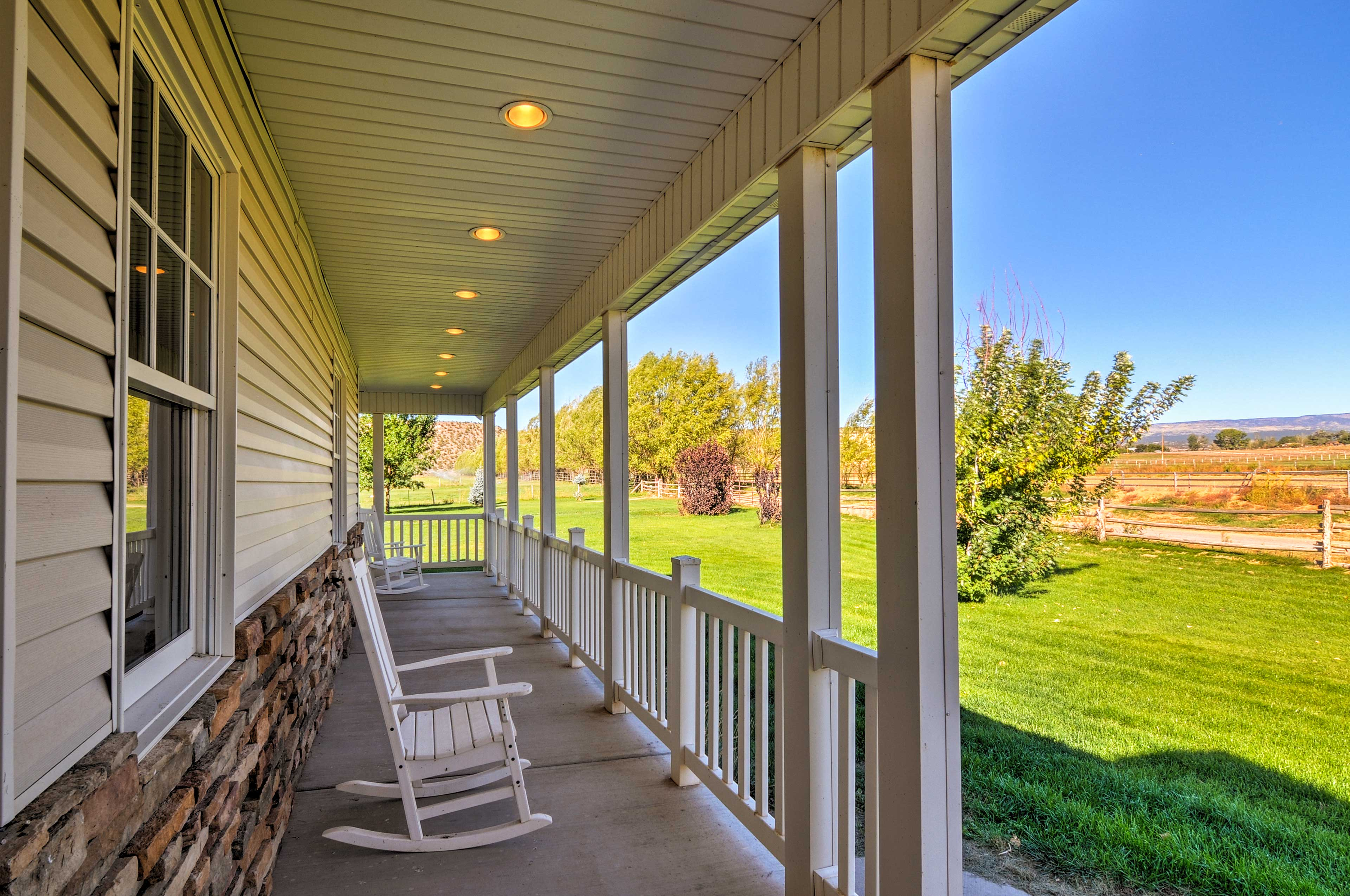 Take your pick between numerous rocking chairs & soak up the fresh Utah air.