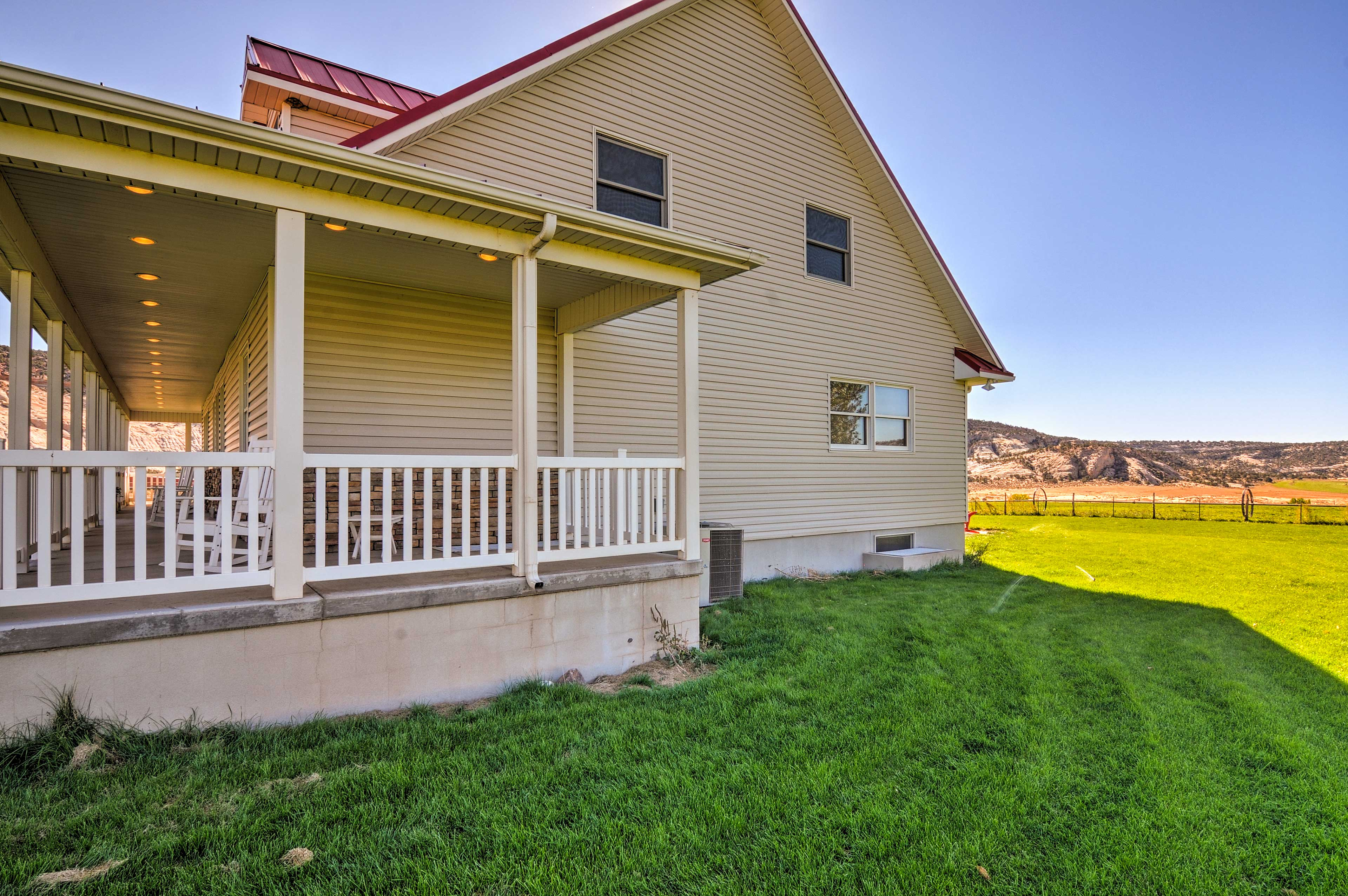 The vacation rental home sits on Sugarloaf Valley Farms's 570-acre farm.