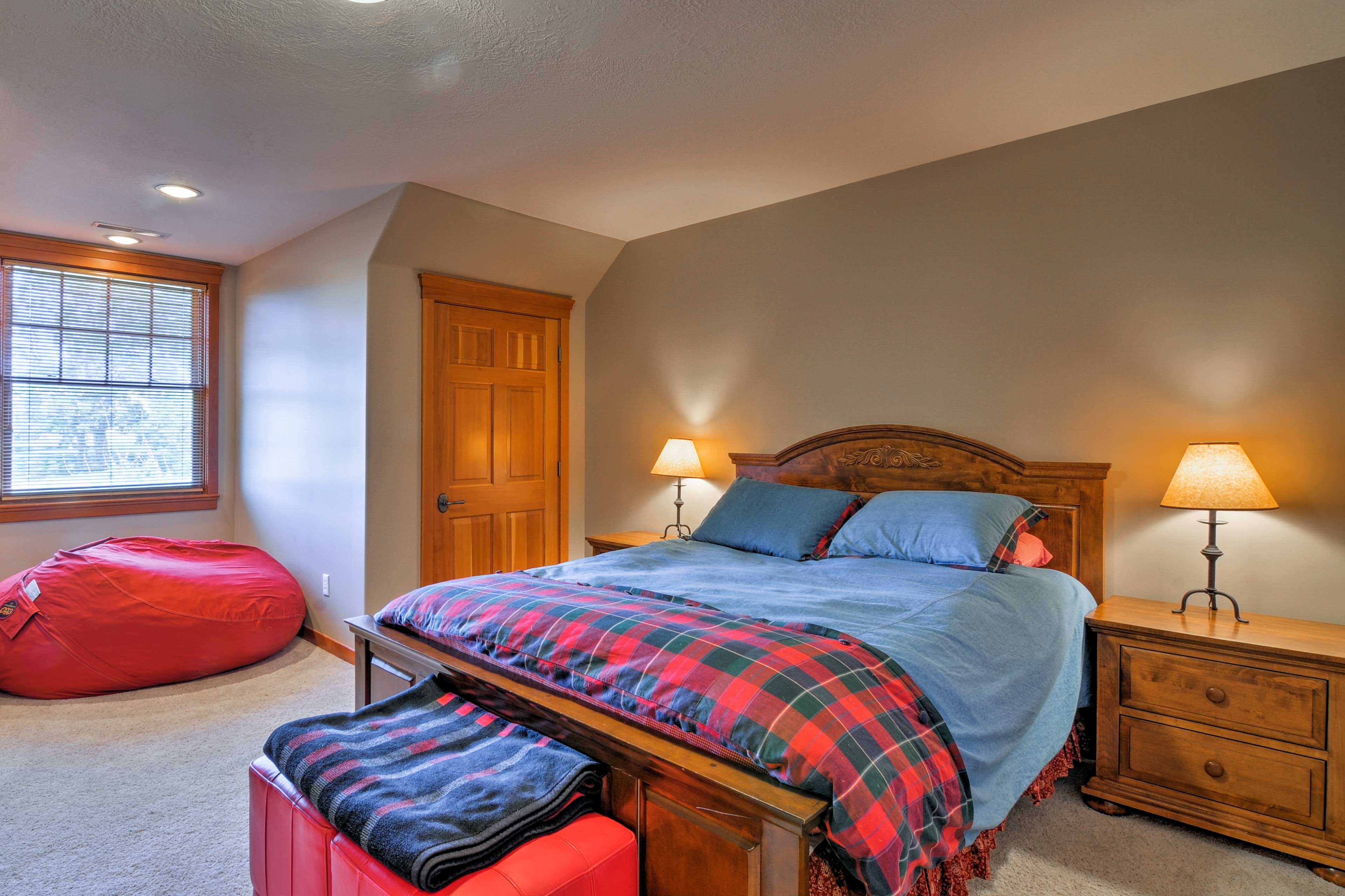 The second bedroom includes a queen bed for 2.