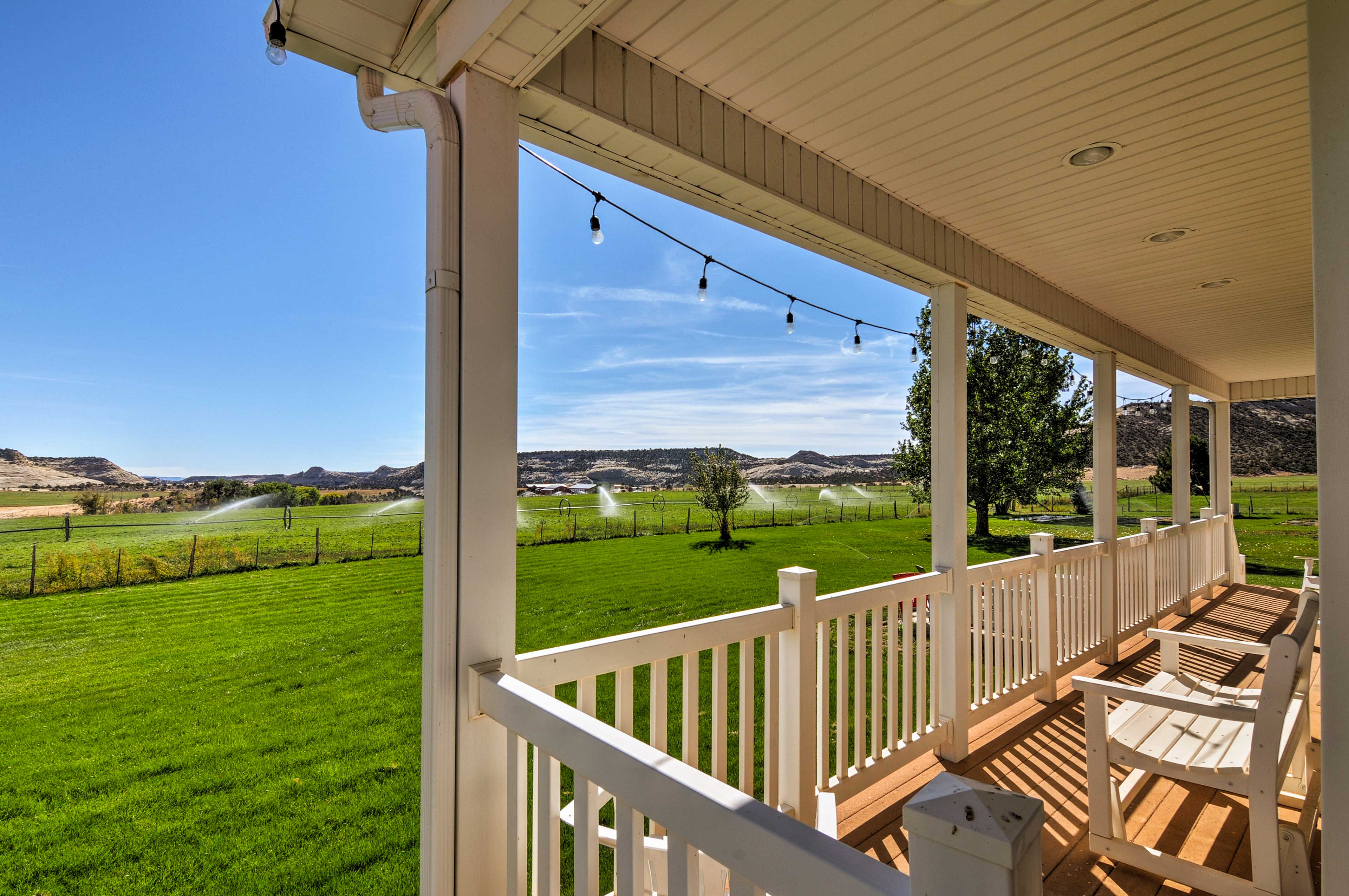 With 6 bedrooms & 4.5 baths, up to 12 guests can vacation here!