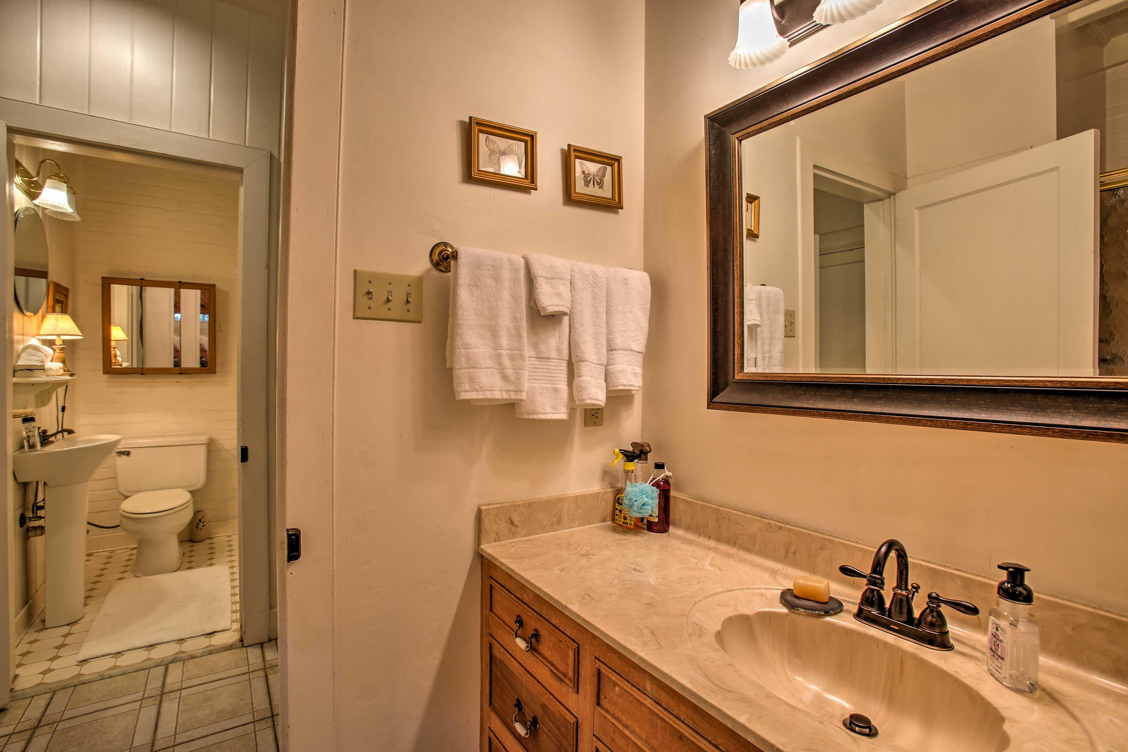 Starter set of bathroom supplies provided!