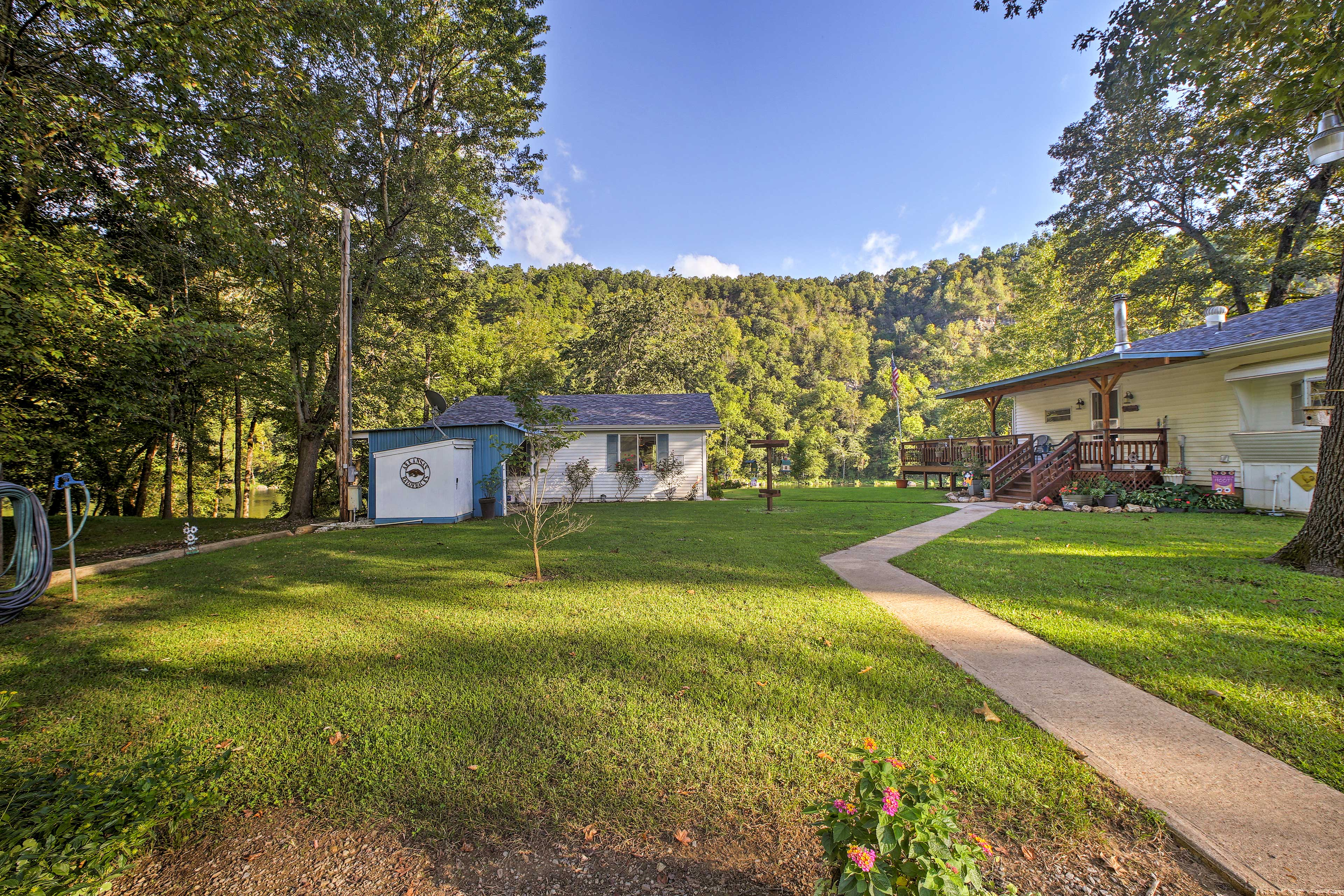 You'll never be bored on your northern Arkansas vacation at this property.
