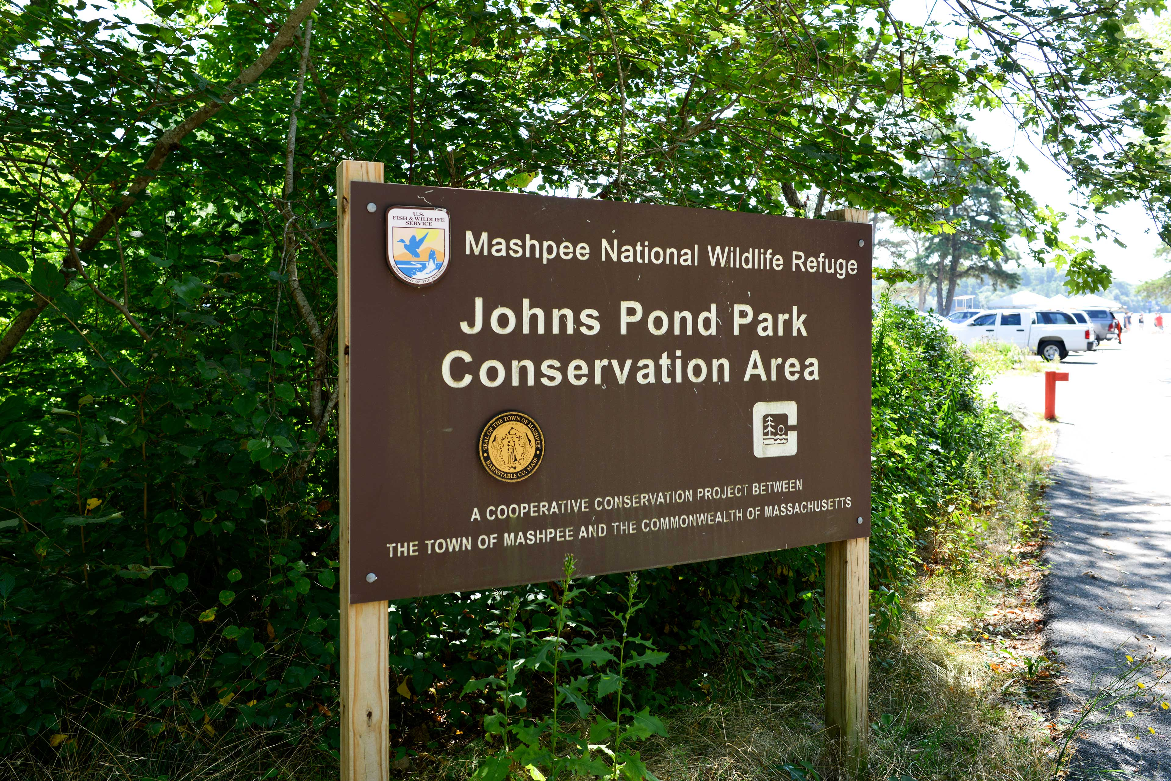 The home is just minutes from Johns Pond Park.