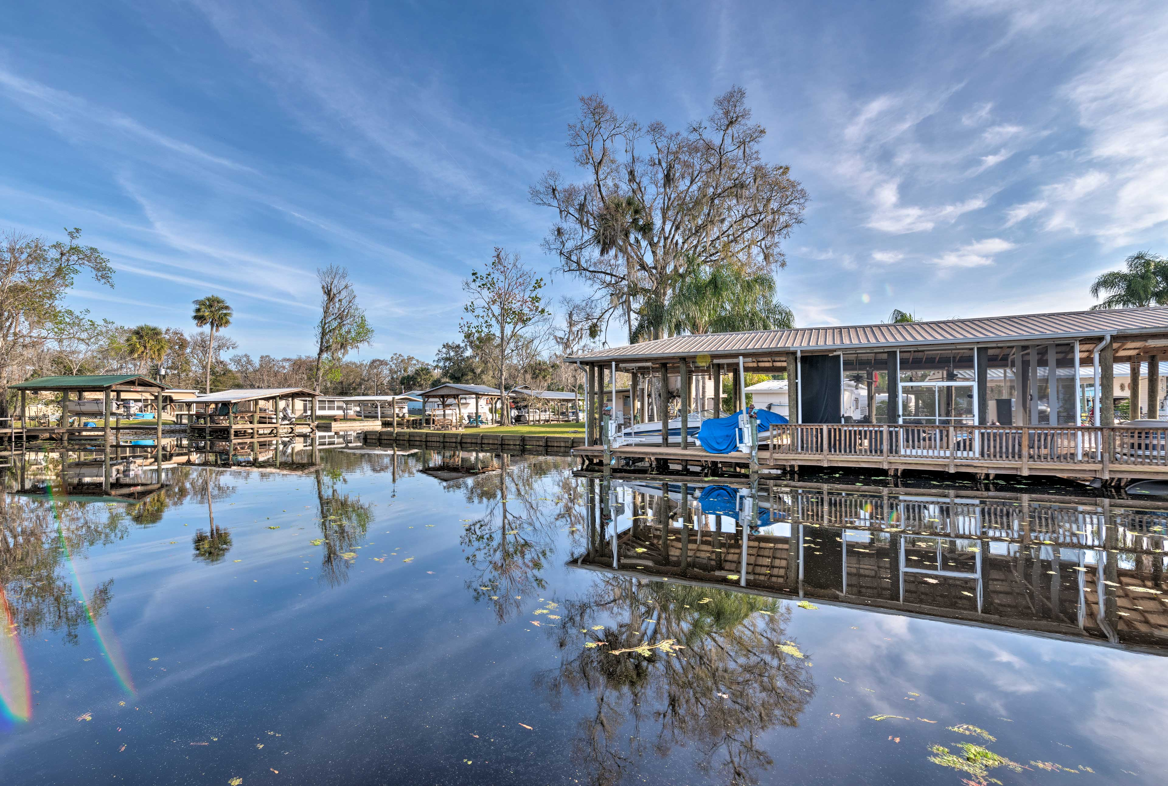Head to the beach or stay here and enjoy the St. Johns River.