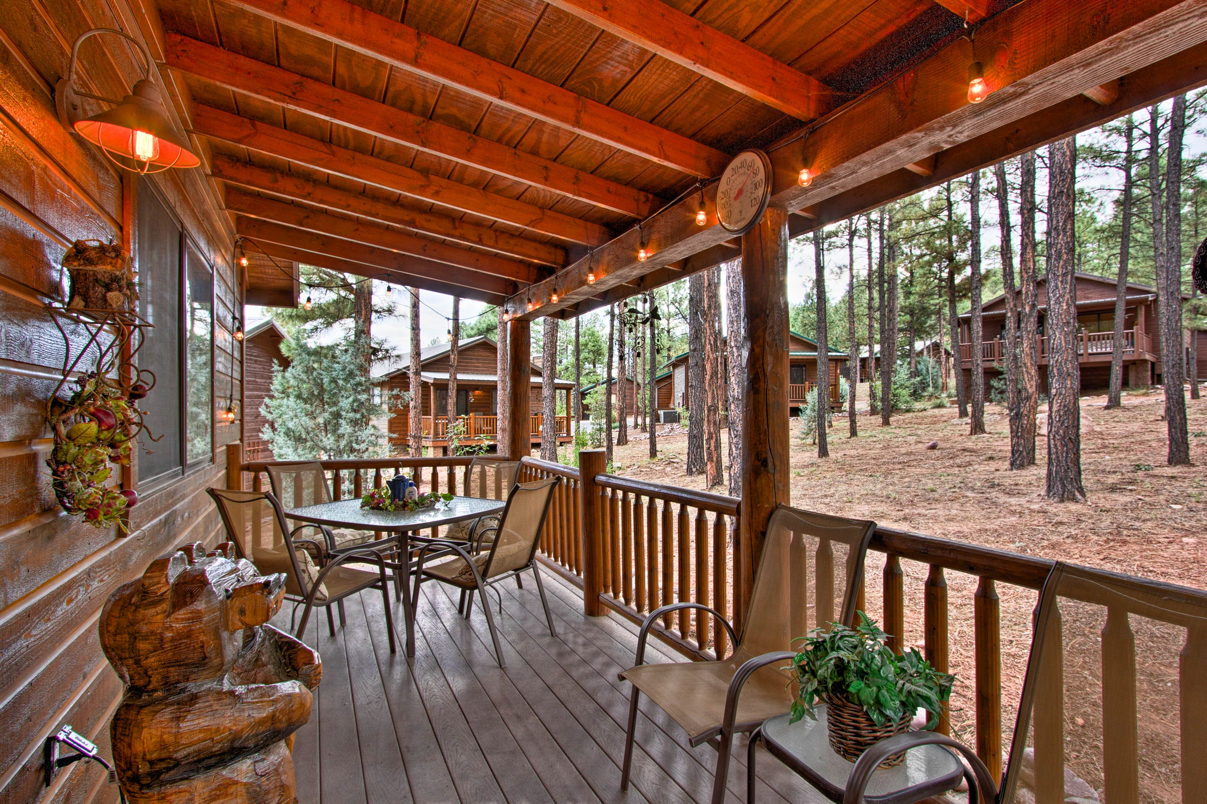 Escape the city at this vacation rental cabin in Show Low, Arizona!