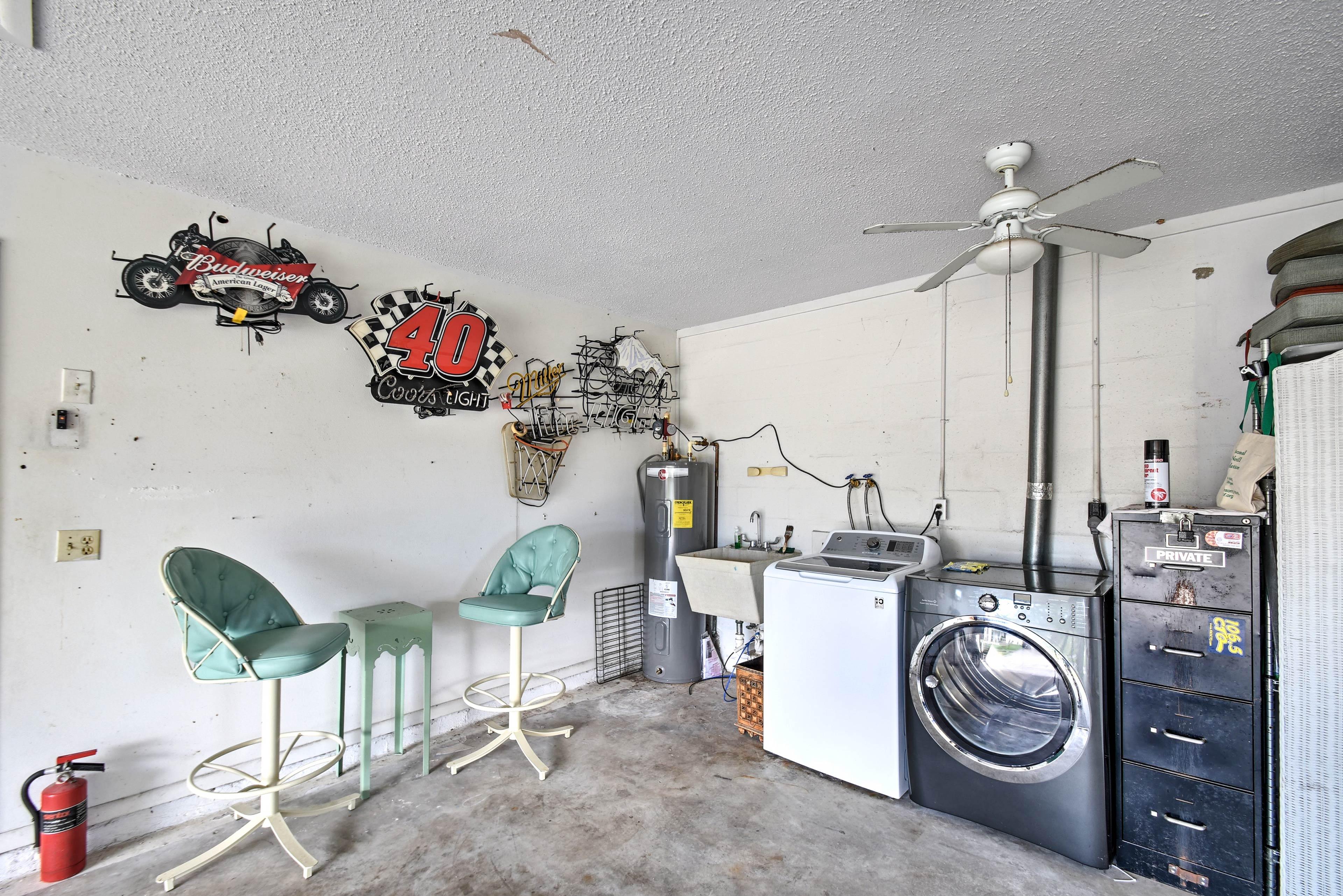 Garage Parking (1 vehicle)   Washer & Dryer