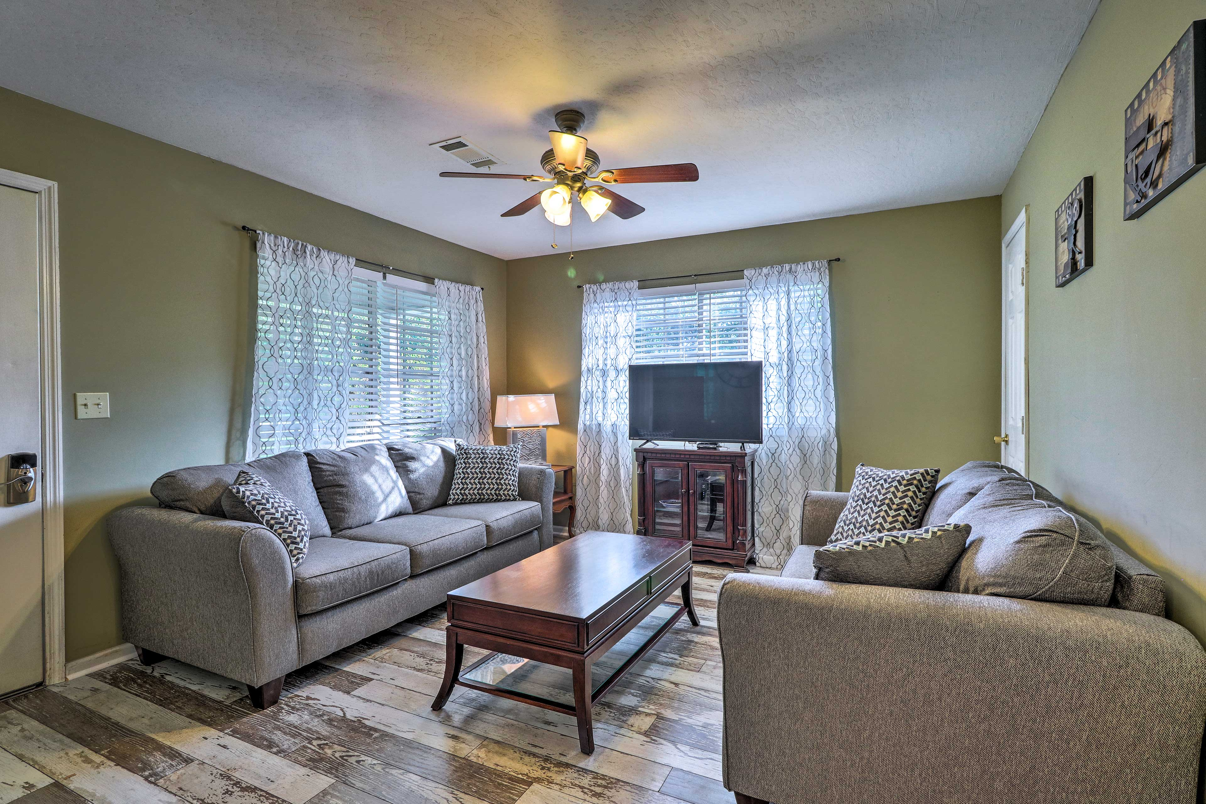 With 1,438 square feet, 3 bedrooms, & 1.5 baths, this house is perfect for 6!