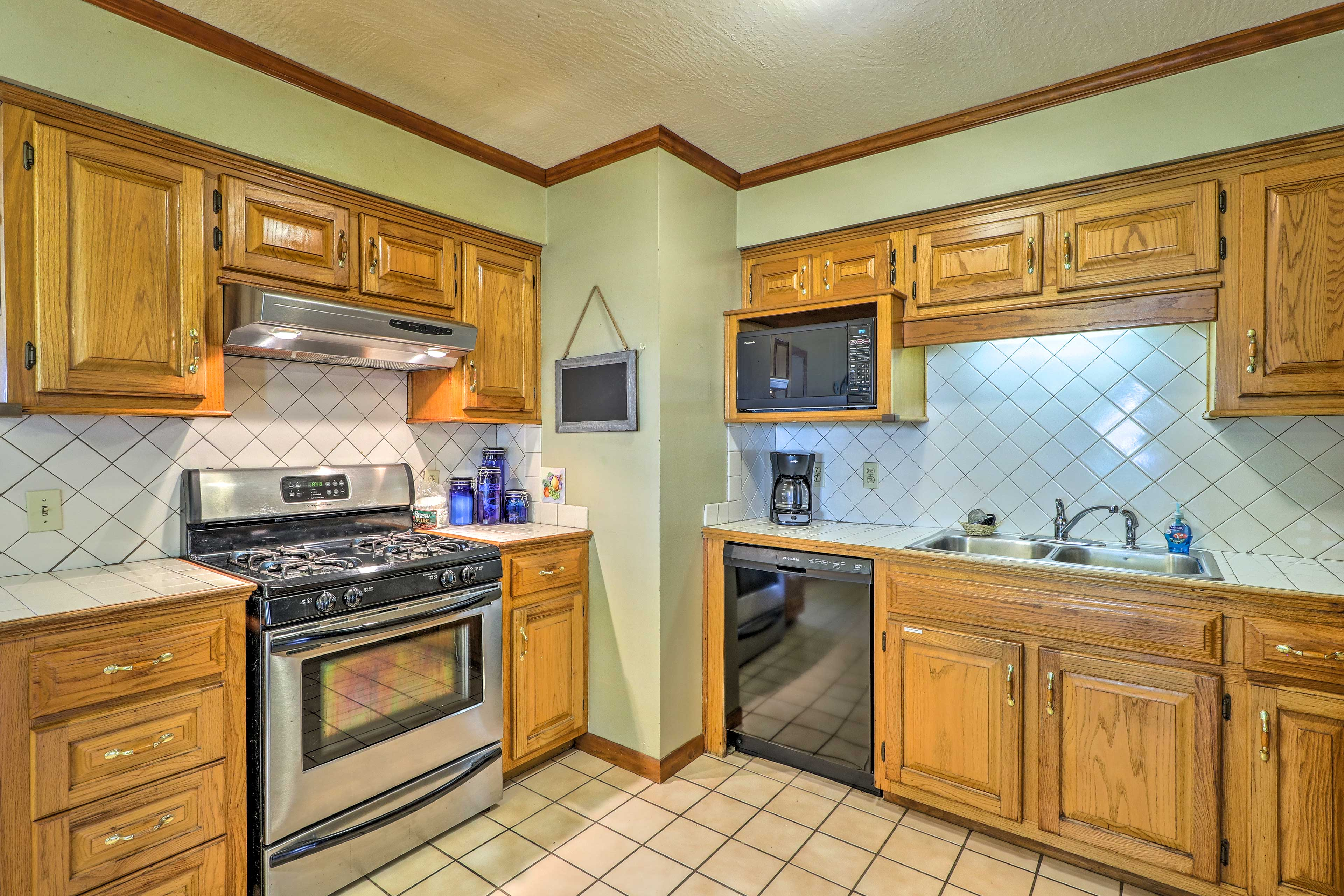 Your cooking experiences will be enjoyable in this fully equipped kitchen.