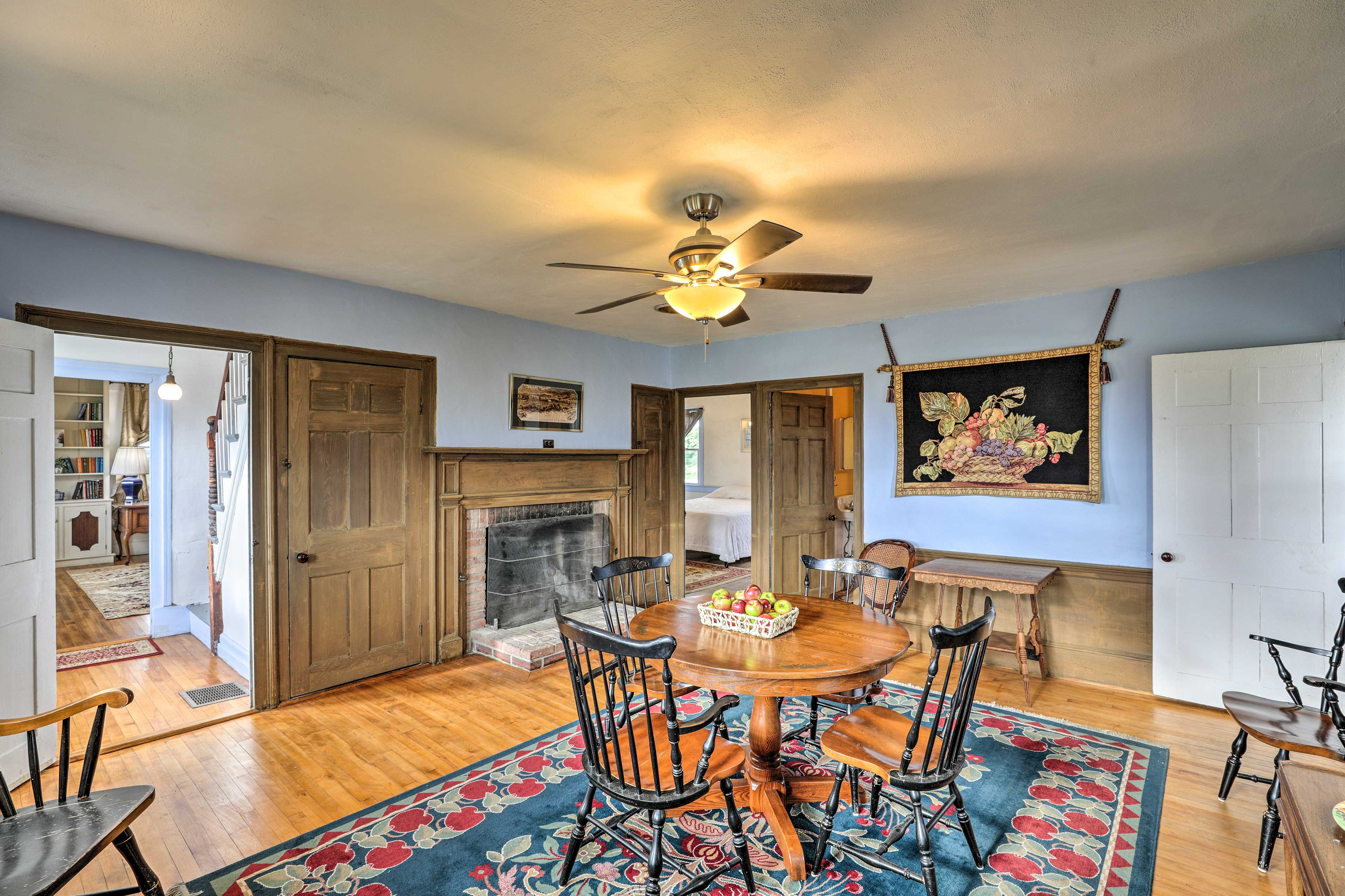 Make memories by dining in the formal dining room!