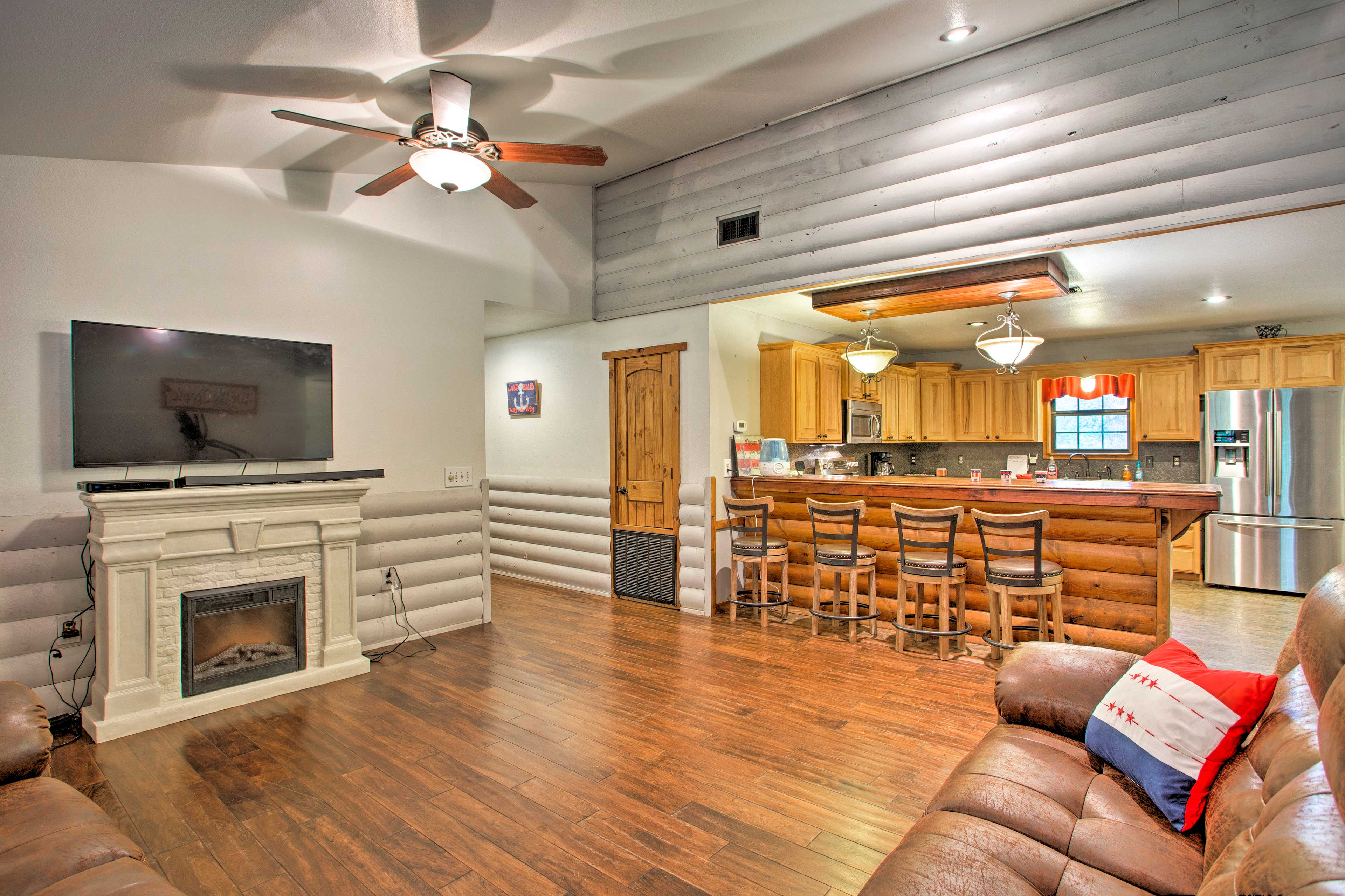 Inside, you'll find 4 bedrooms, 2 bathrooms, and room for 12 guests.