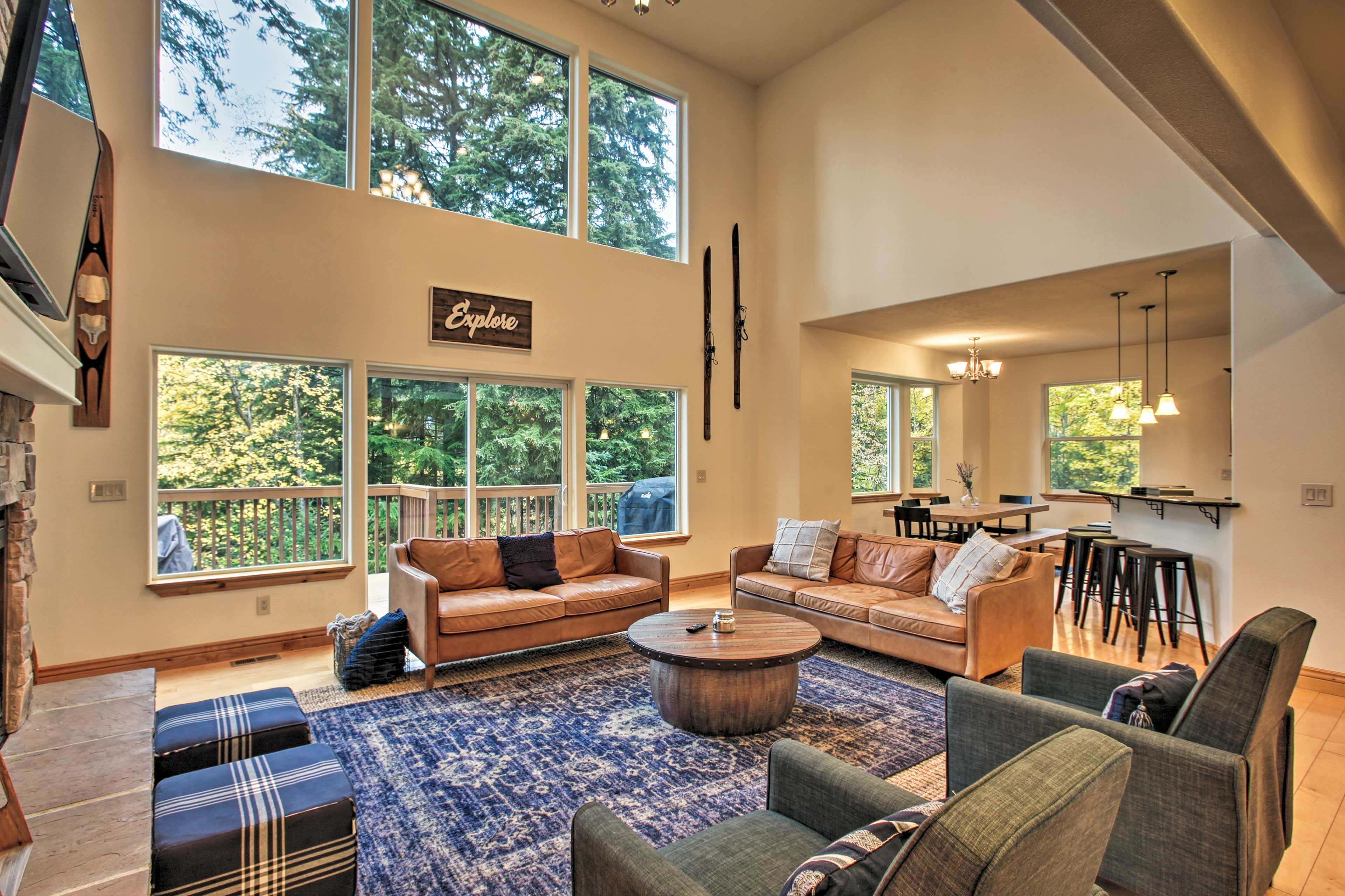 Explore all the Hayden Lake area offers with this property as your home base.