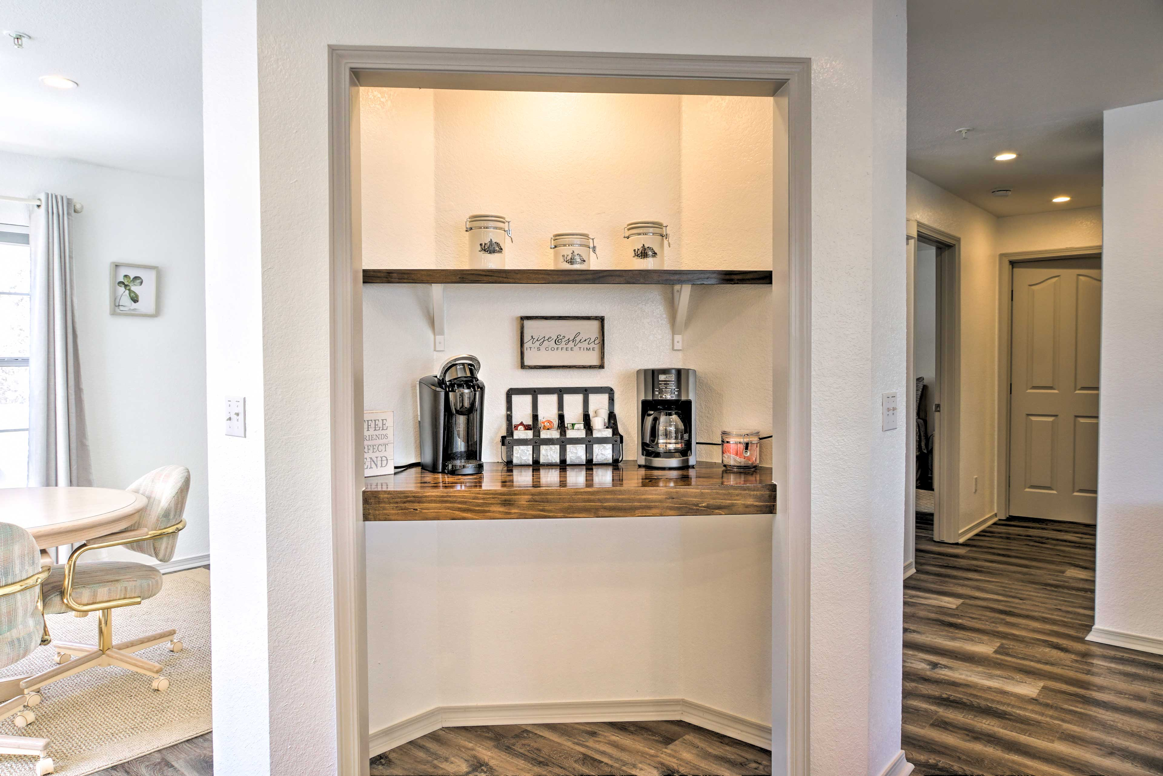 Kitchen | Coffee Bar | Drip Coffee Maker & Keurig | Pods Available