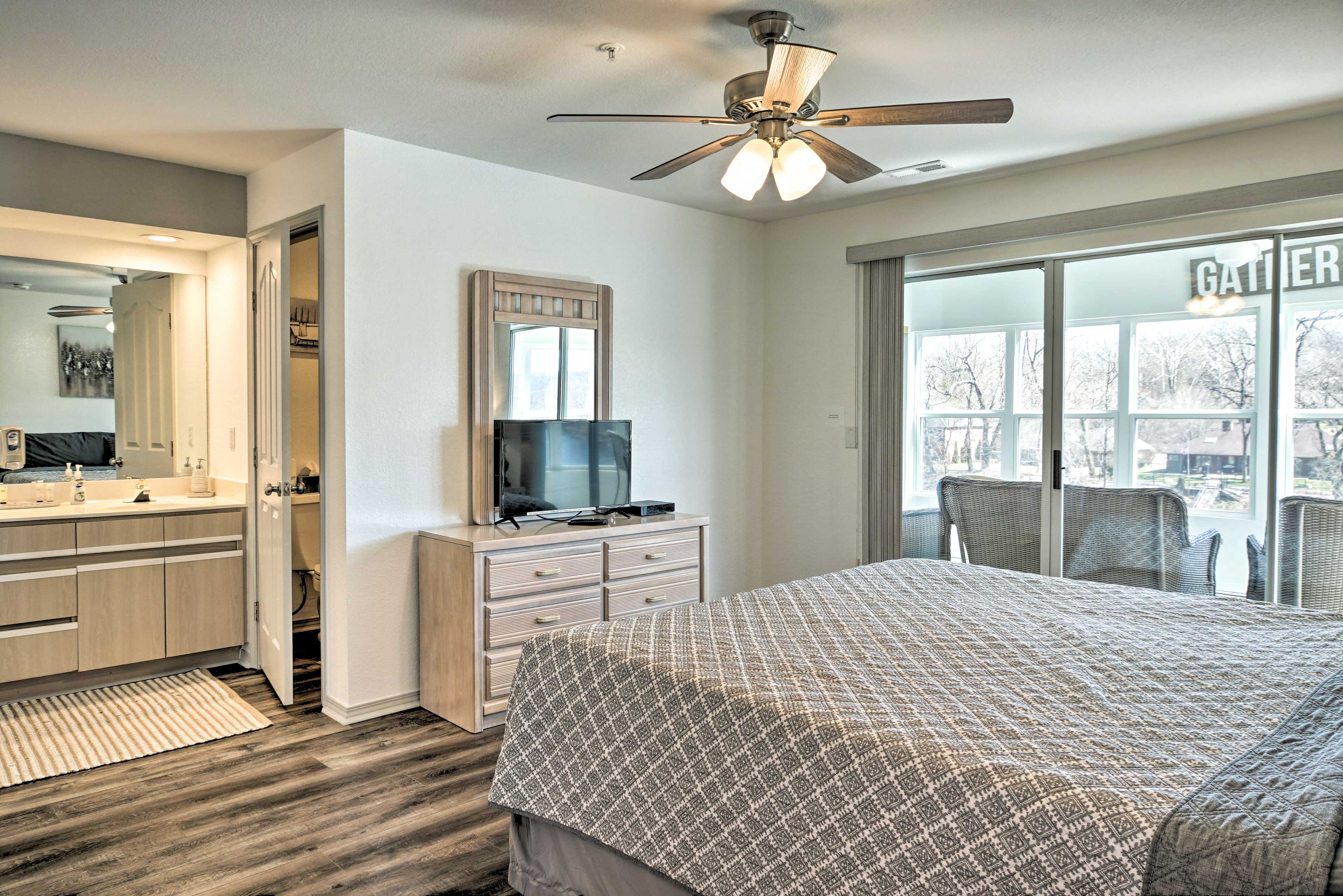 Bedroom 1 | King Bed | Cable TV | Sunroom Access