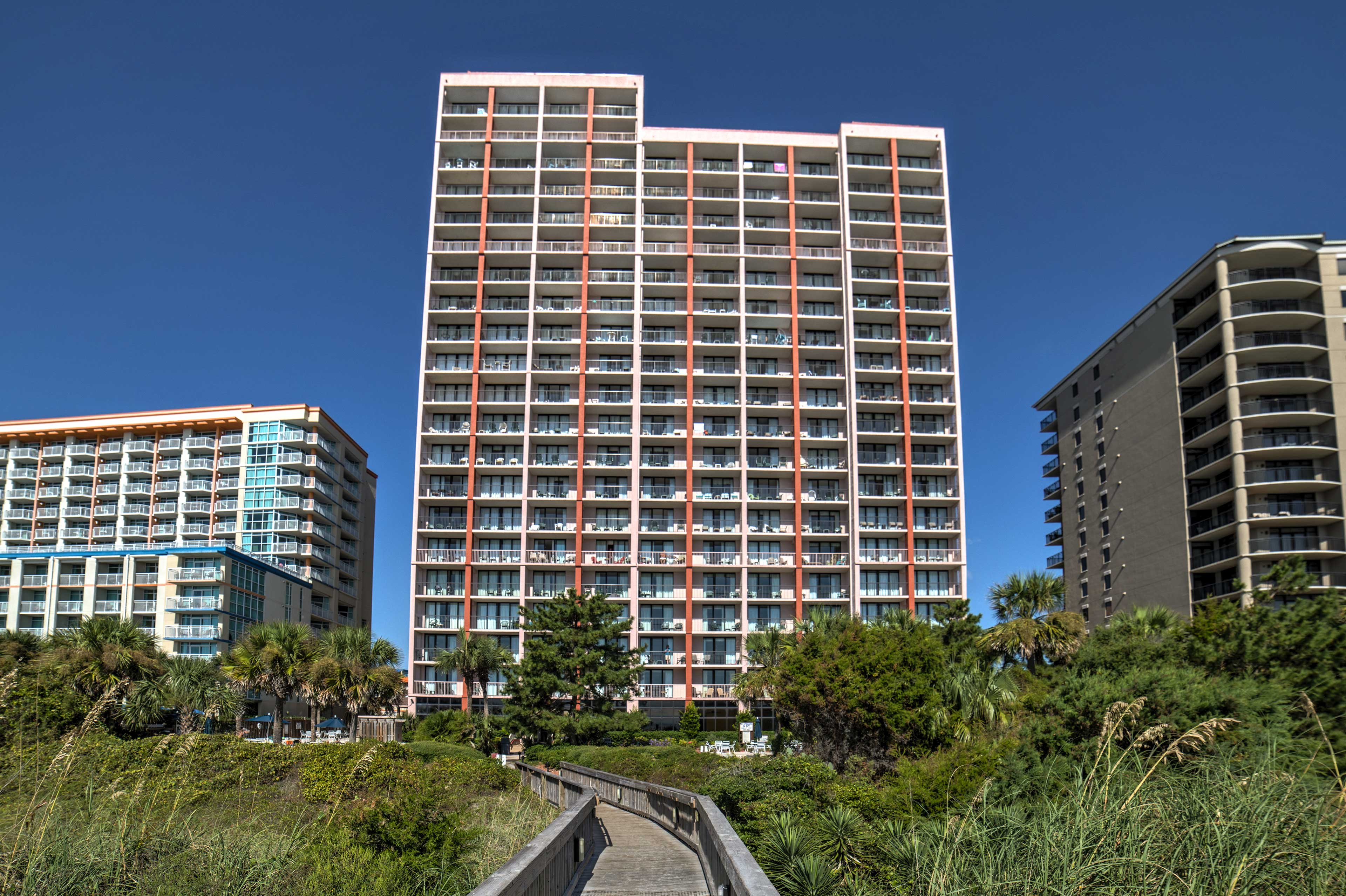 The Beach Colony Resort is ideally oceanfront.