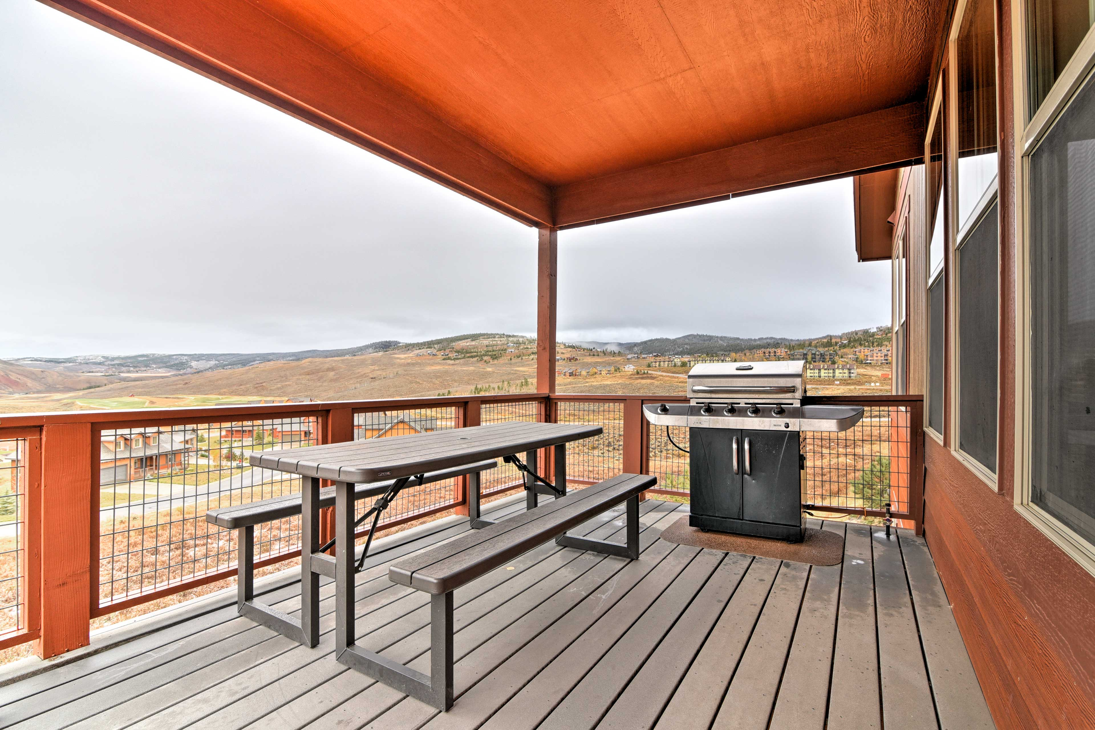 Private Deck   Mountain Views   Gas Grill