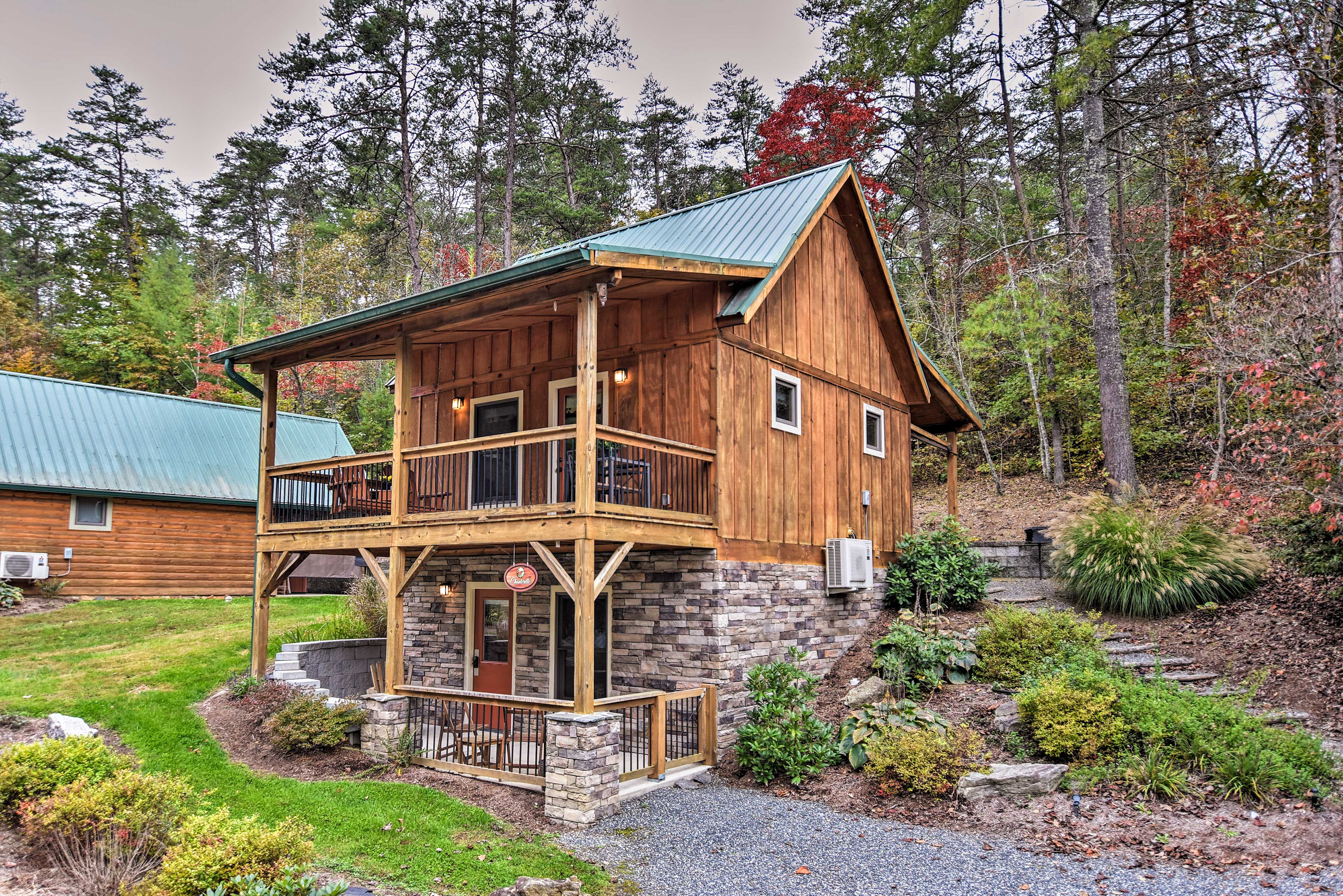 Weaverville Vacation Rental Cabin   2BR   1BA   800 Sq Ft   Steps Required