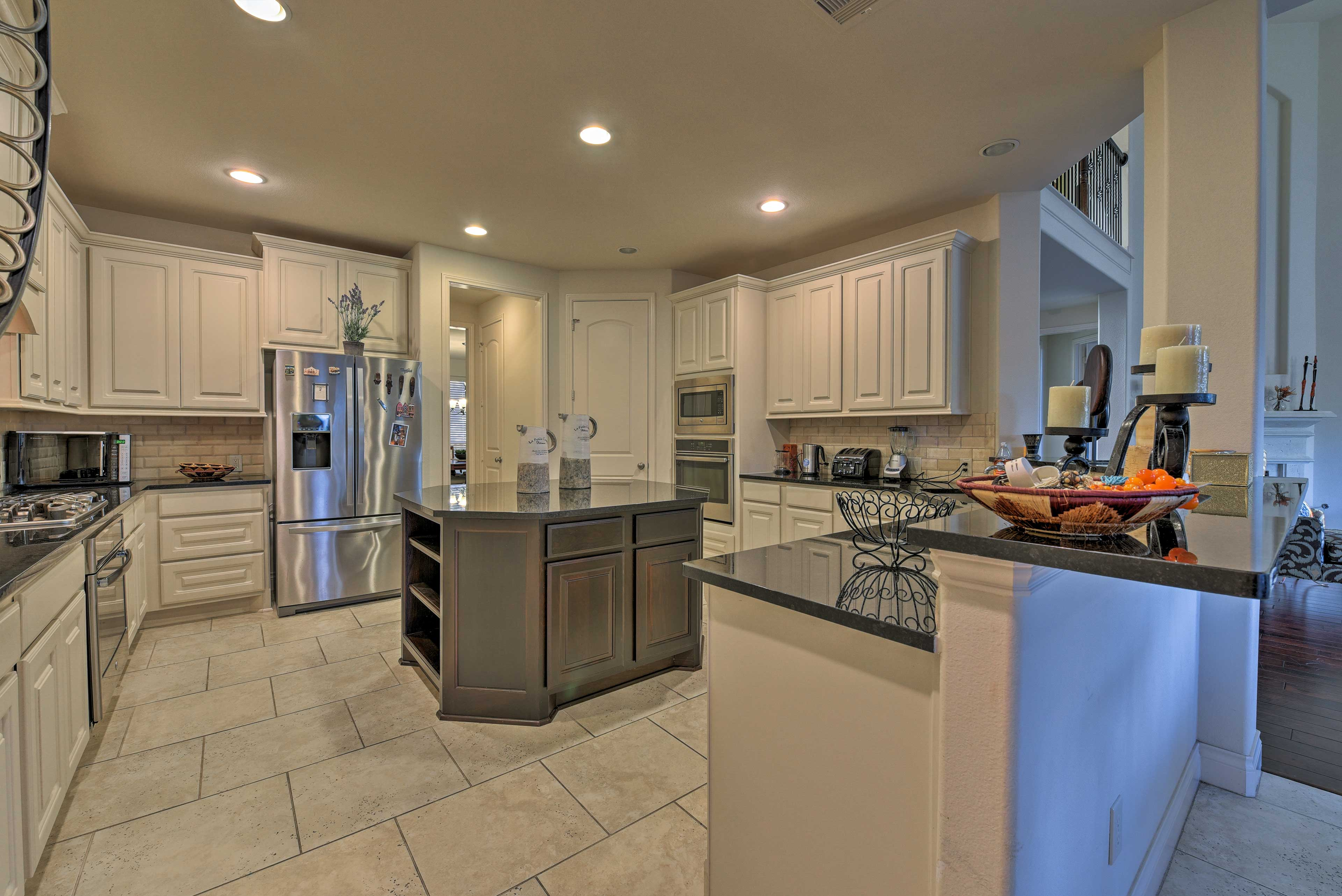Cooking is a dream in this sprawling fully equipped kitchen!