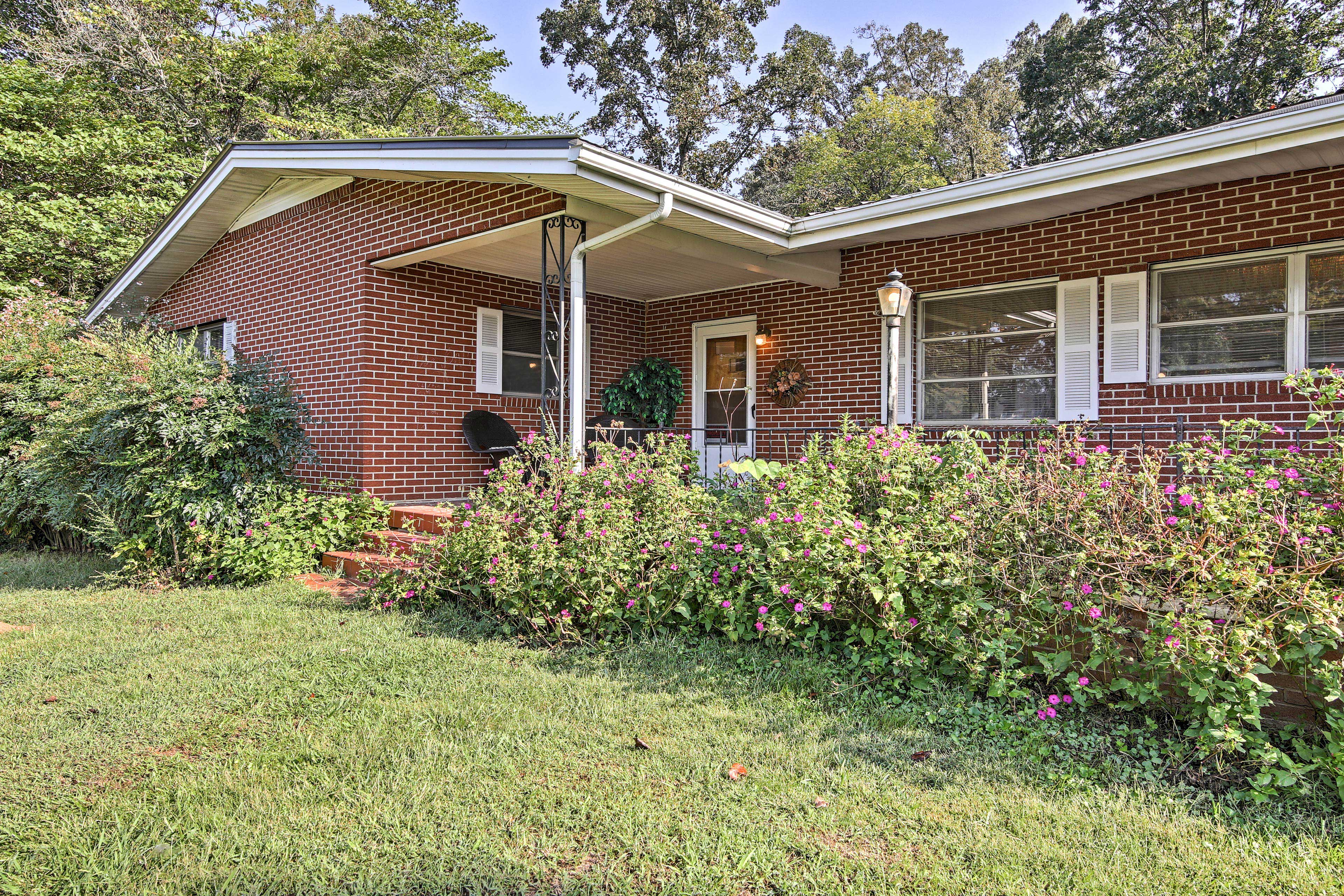 This charming home is just minutes away from shopping and dining in Blairsville.