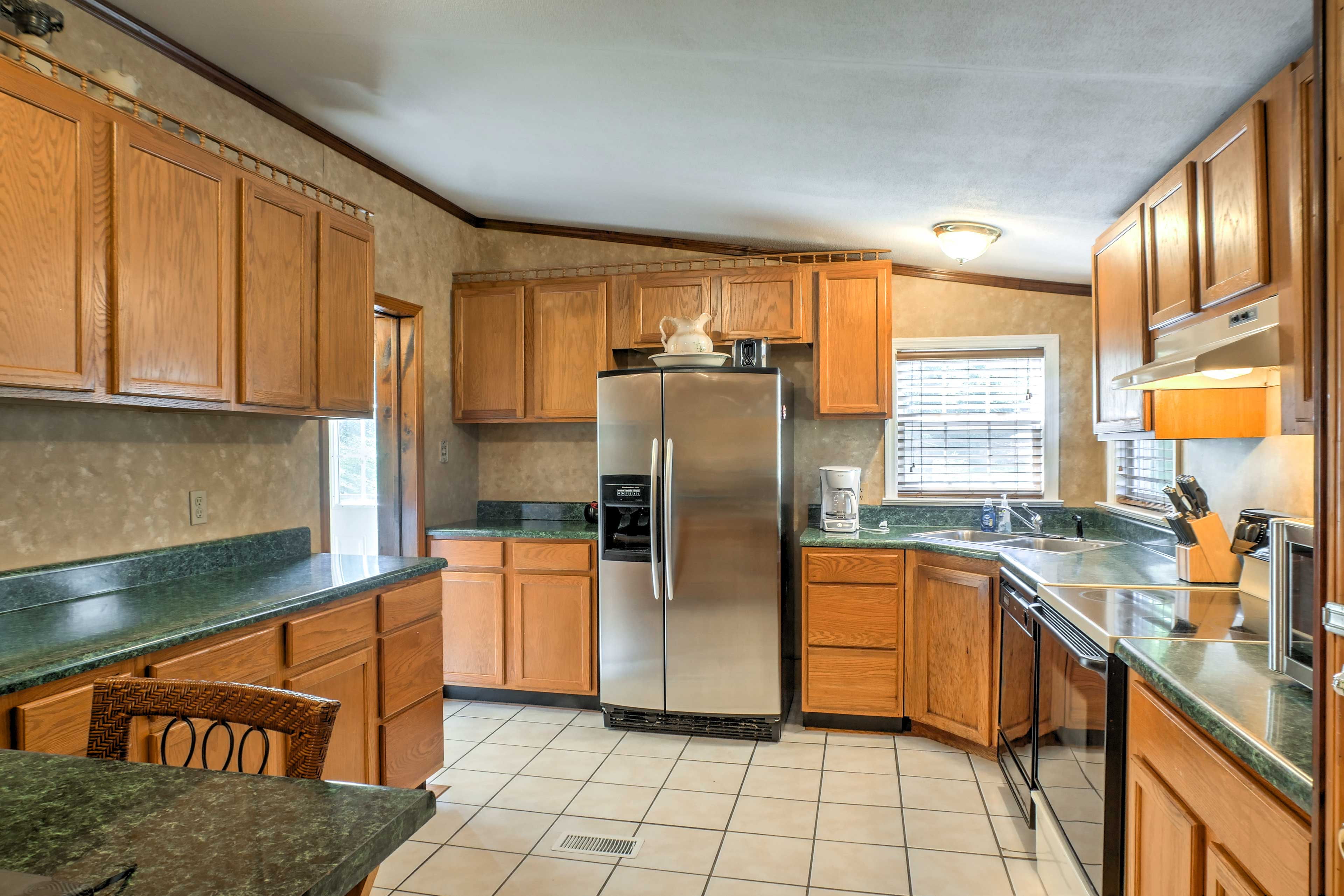 Prepare any number of dishes in the fully equipped kitchen.