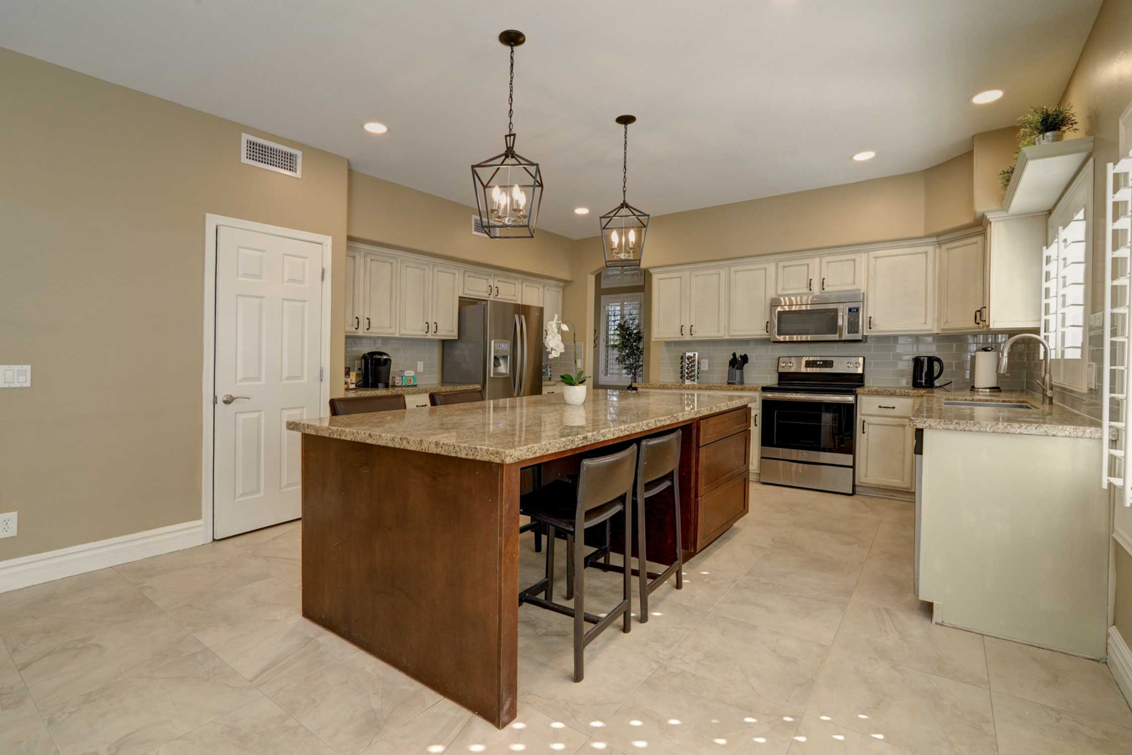 The fully equipped gourmet kitchen has everything you need!