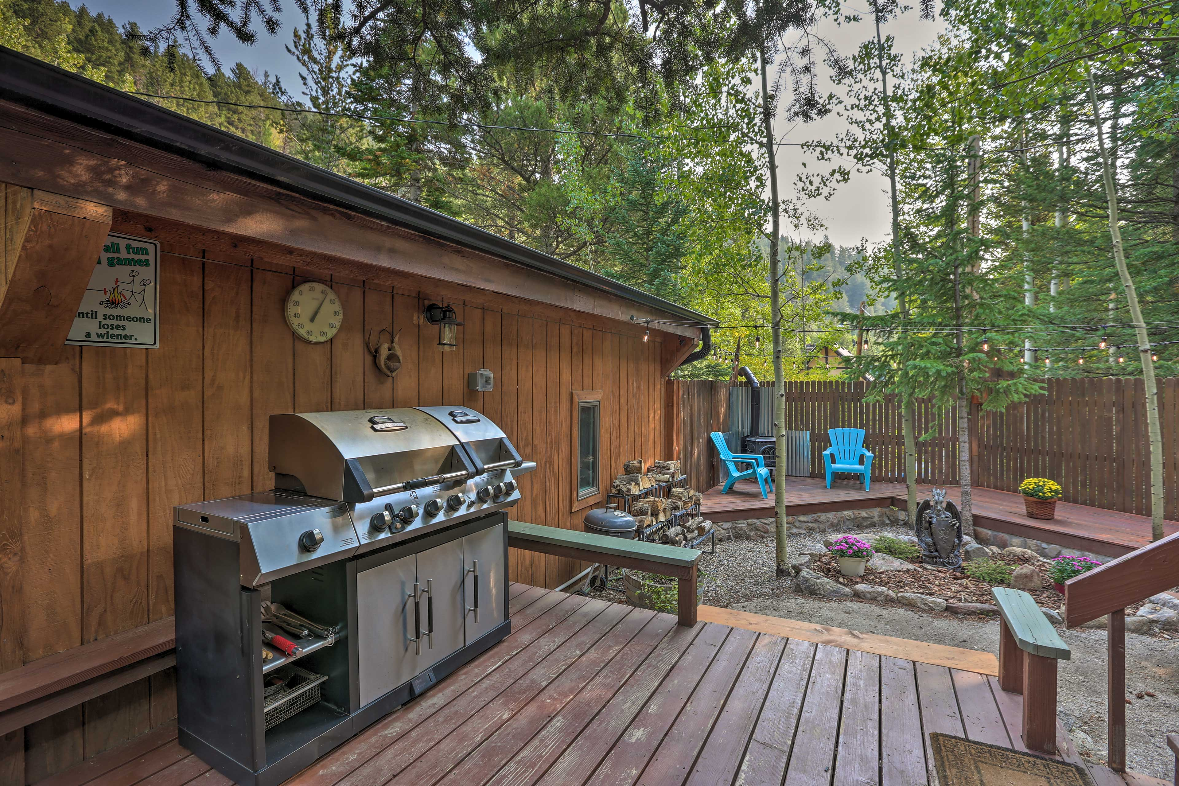 The cabin offers 2 bedrooms, 1 bath and 2 futons.