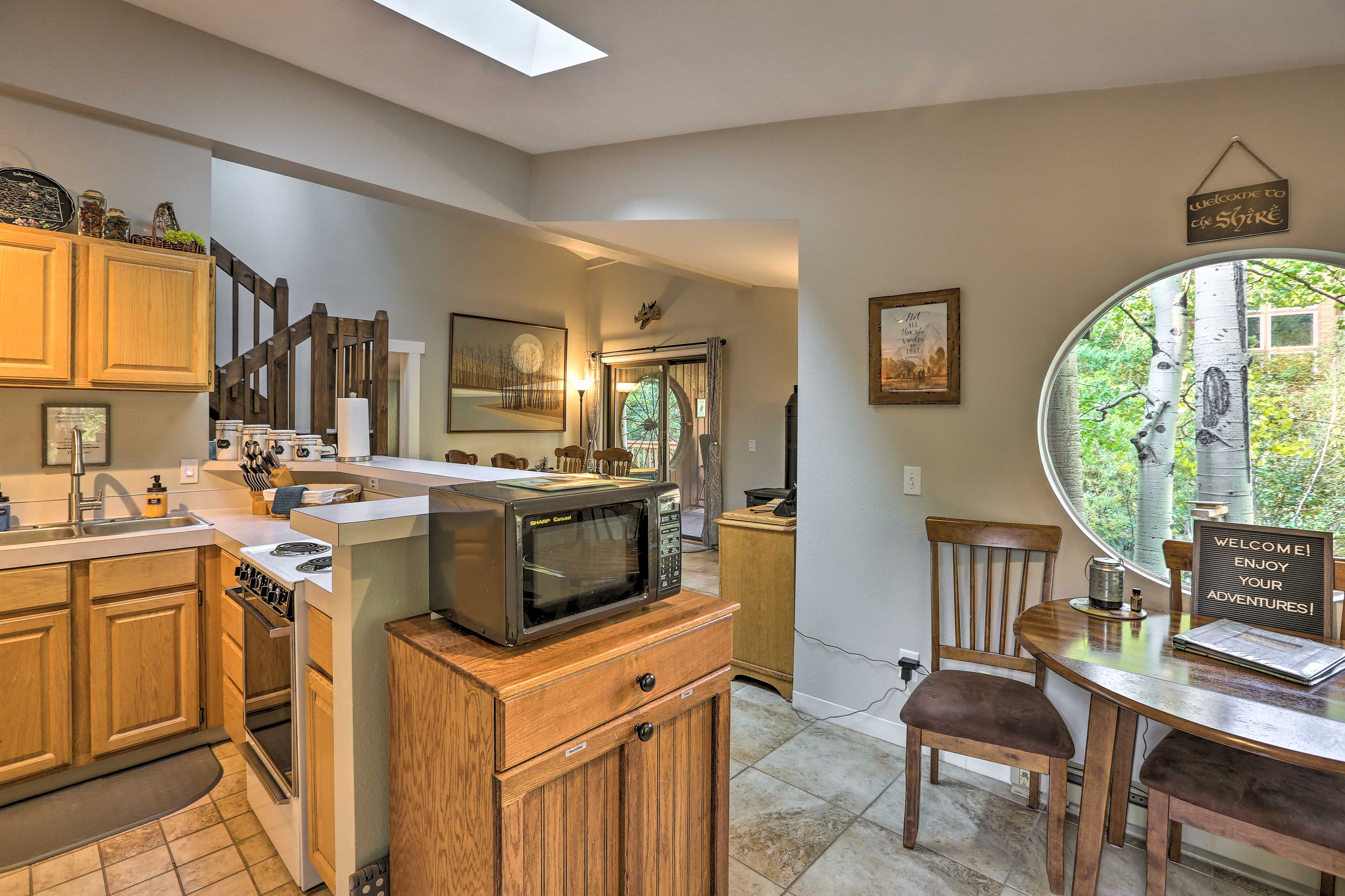Make all your meals in this well-equipped kitchen!