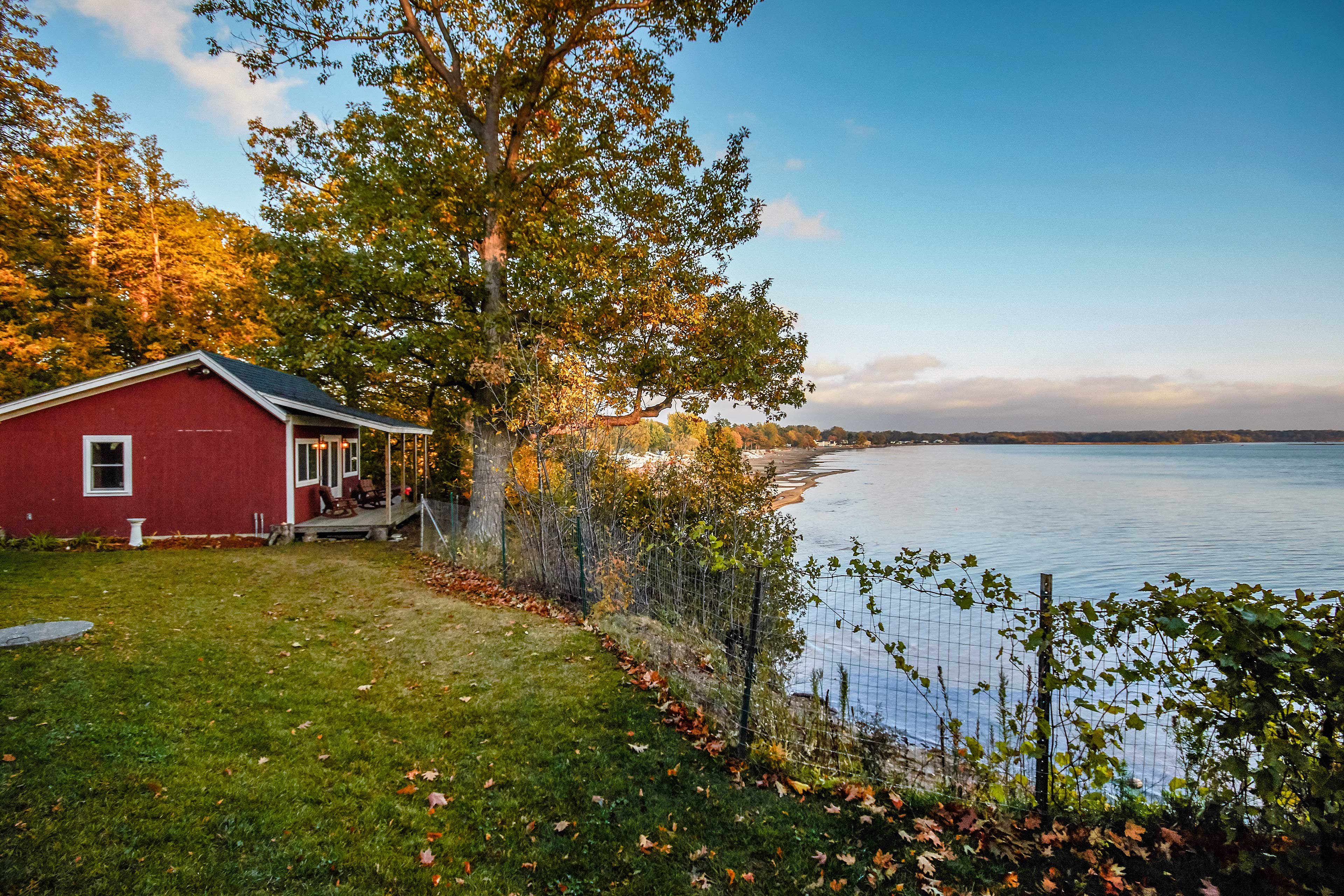 The bunkhouse has its own porch and lake views!