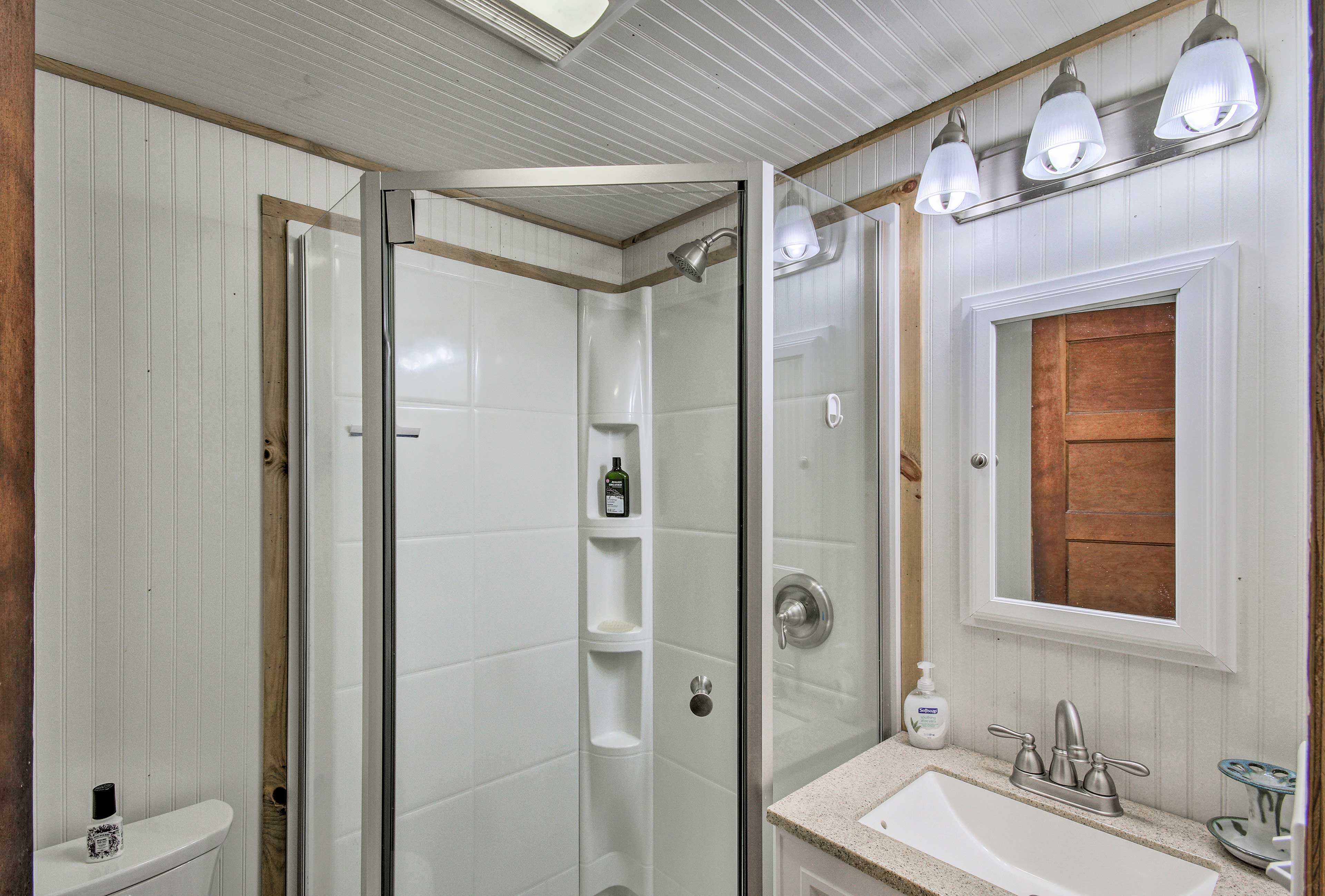 Rinse the Lake Champlain water out of your hair in this walk-in shower.