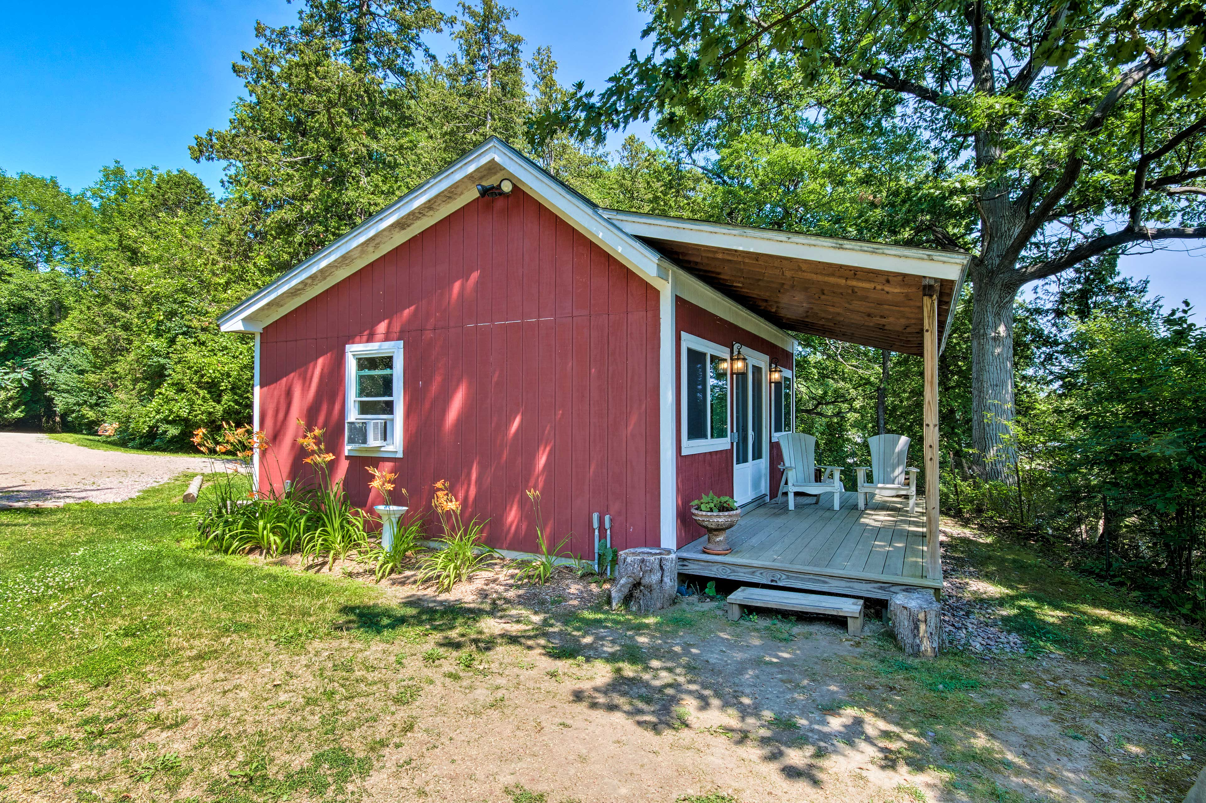 The bunkhouse is available for an additional fee of $200 per night!