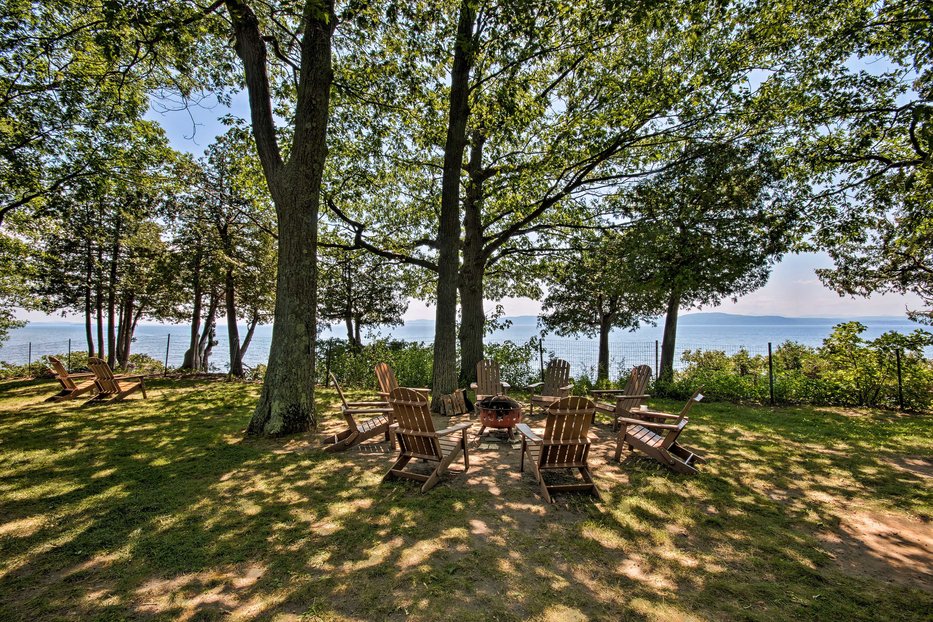 The property sits on a bluff with views of the mountains across the lake!