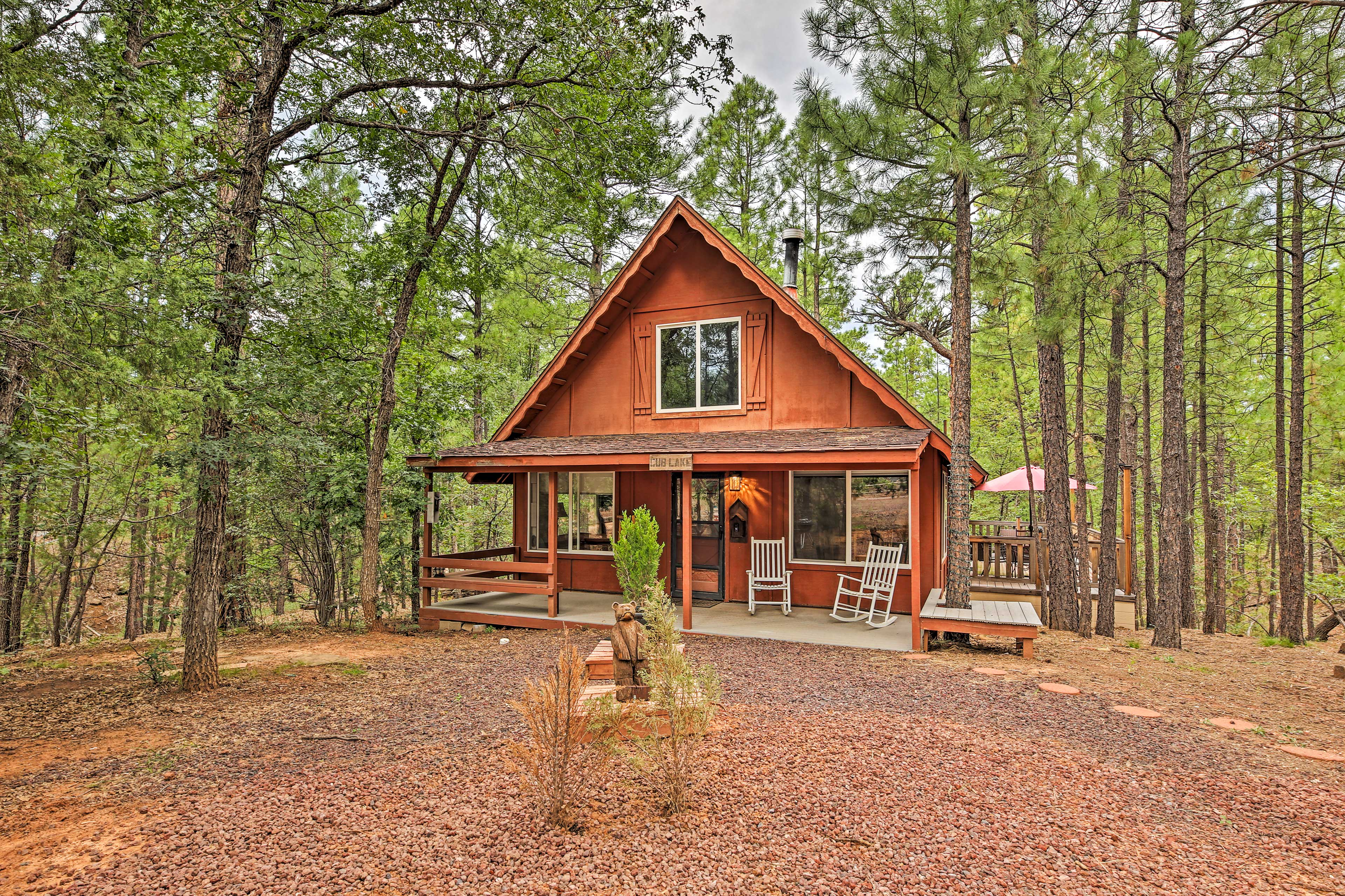 Show Low Vacation Rental | 3BR | 1.5BA | 1,475 Sq Ft | Step-Free Access
