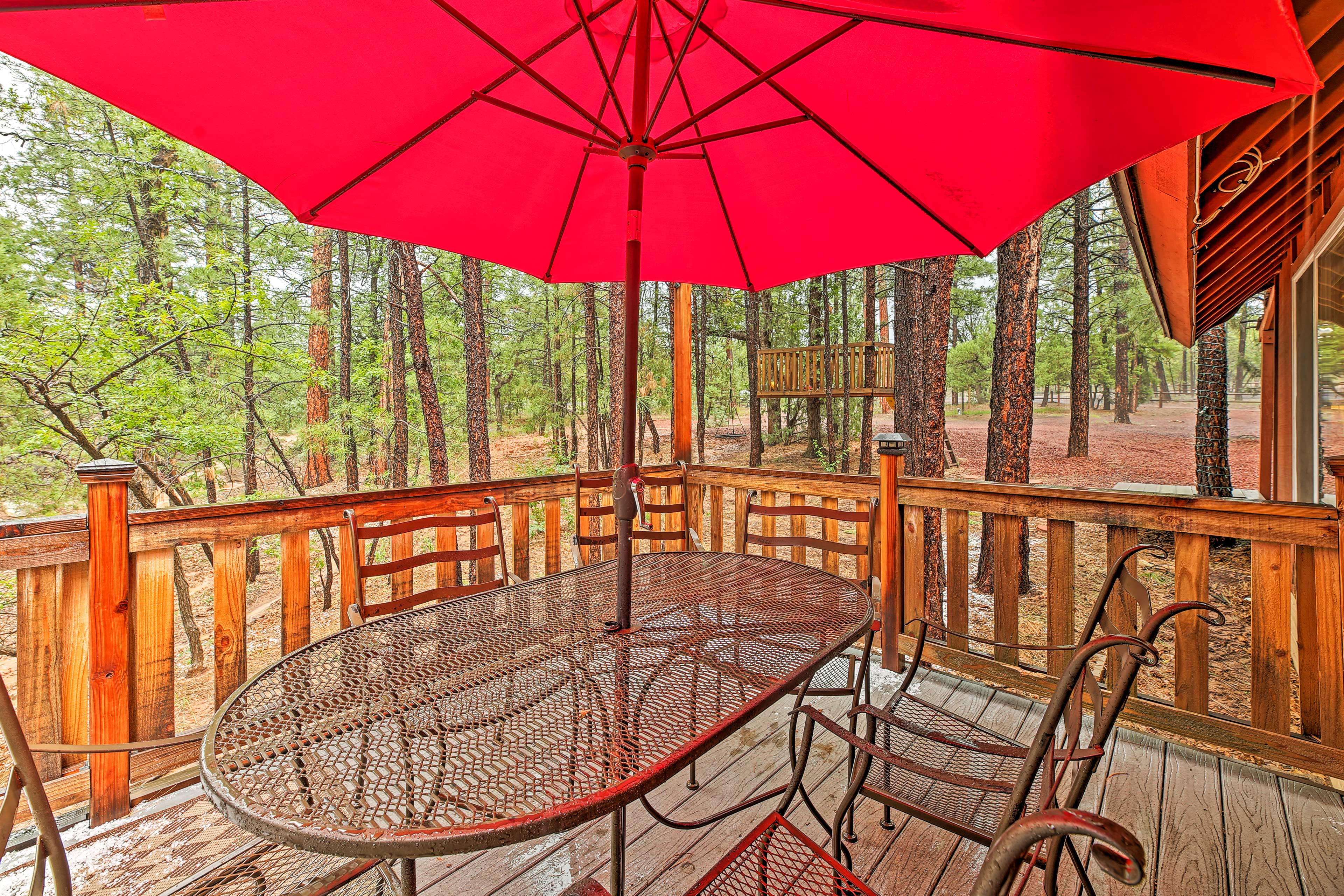 Deck | Outdoor Dining Table