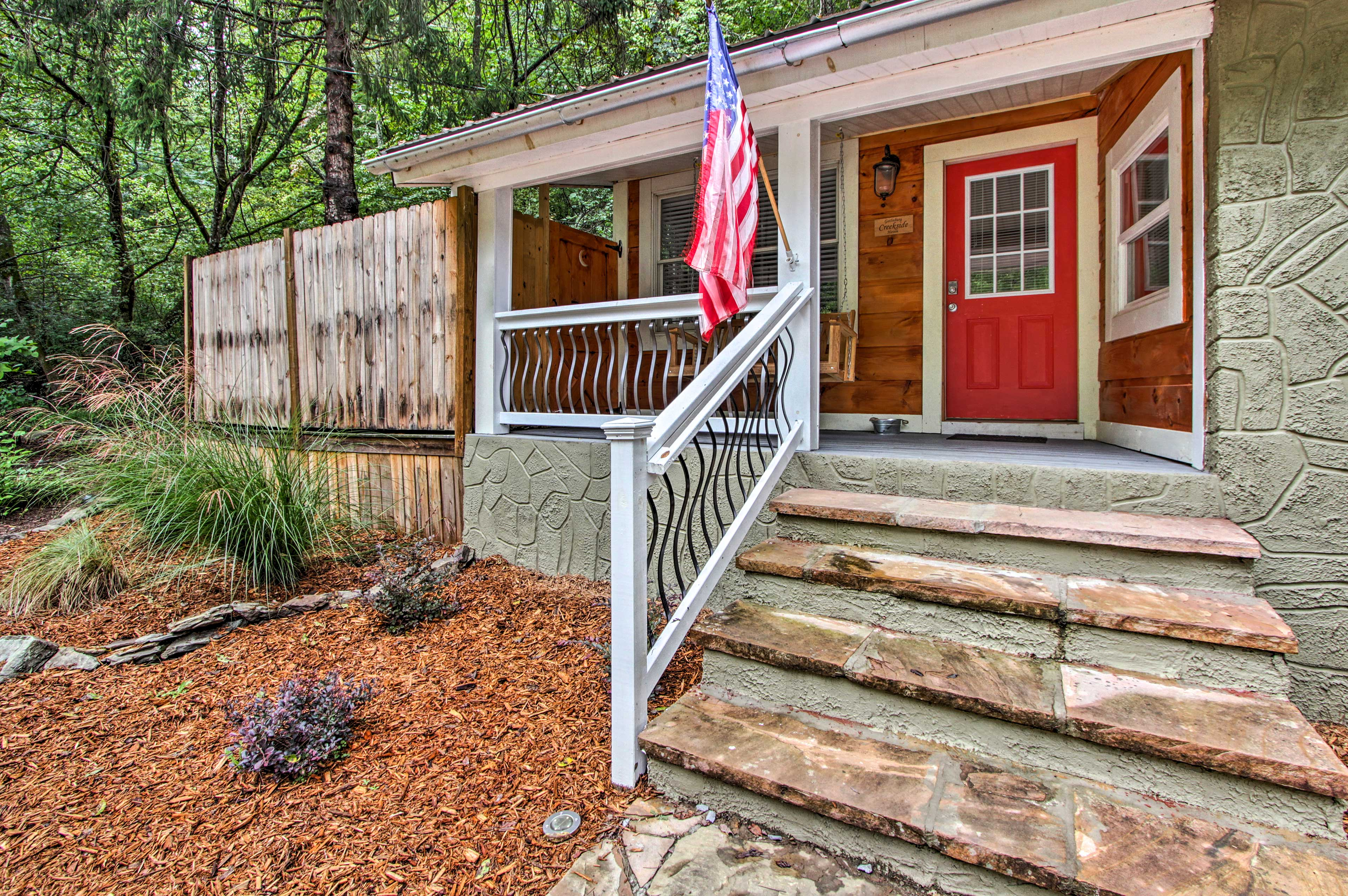 Newly remodeled, the cabin is both modern and rustic.