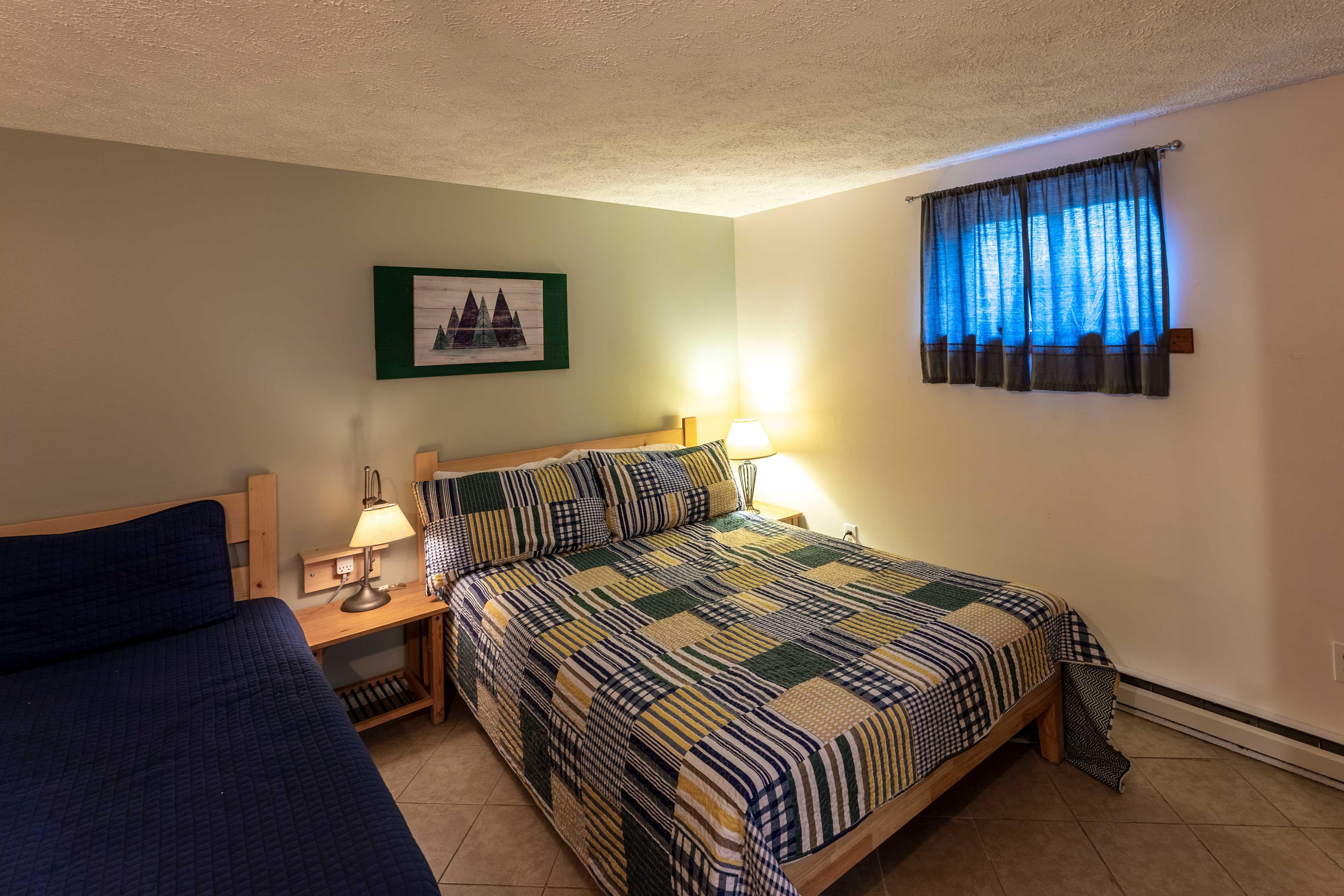 Bedroom 4   Twin Bed   Queen Bed