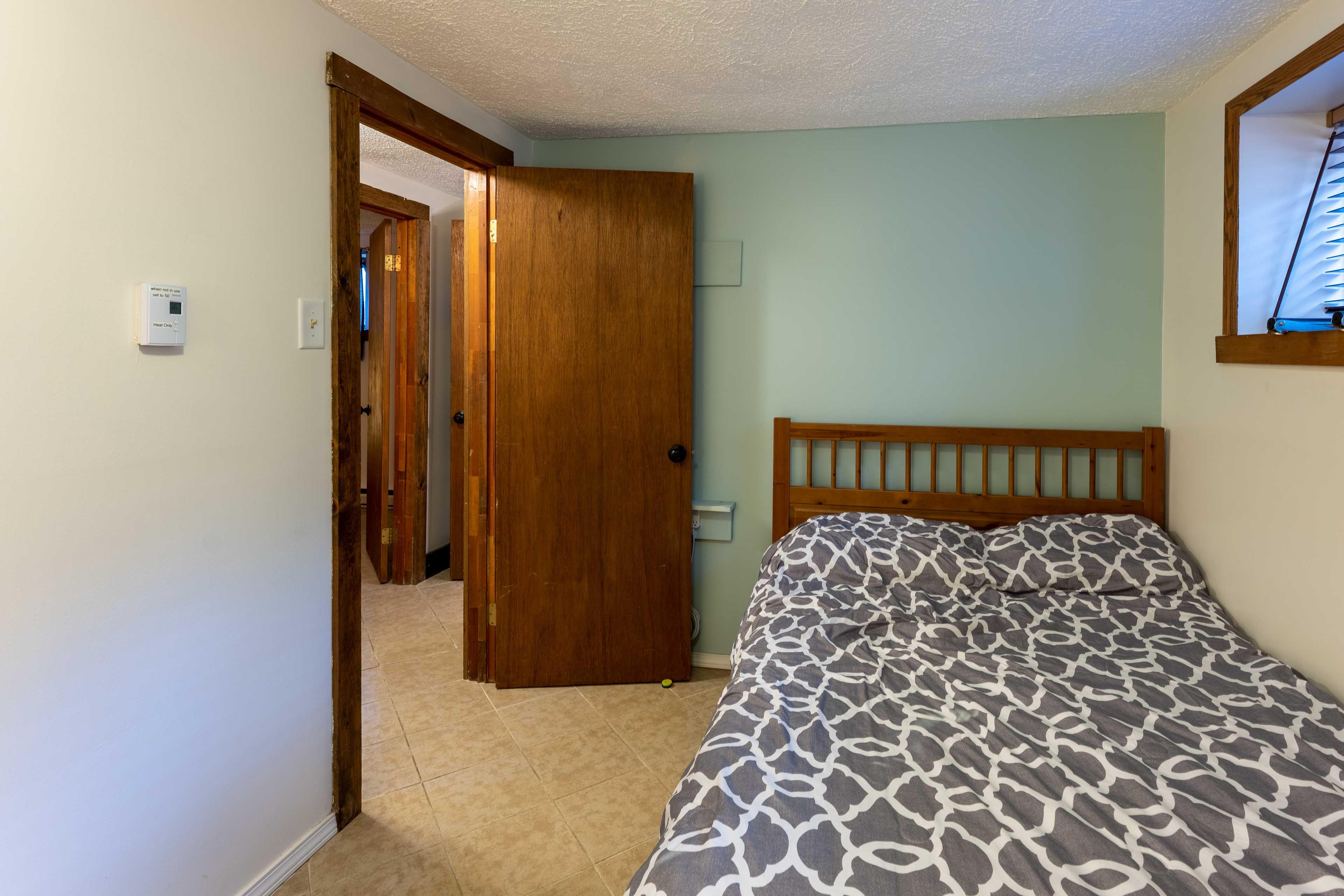 Bedroom 5   Full Bed