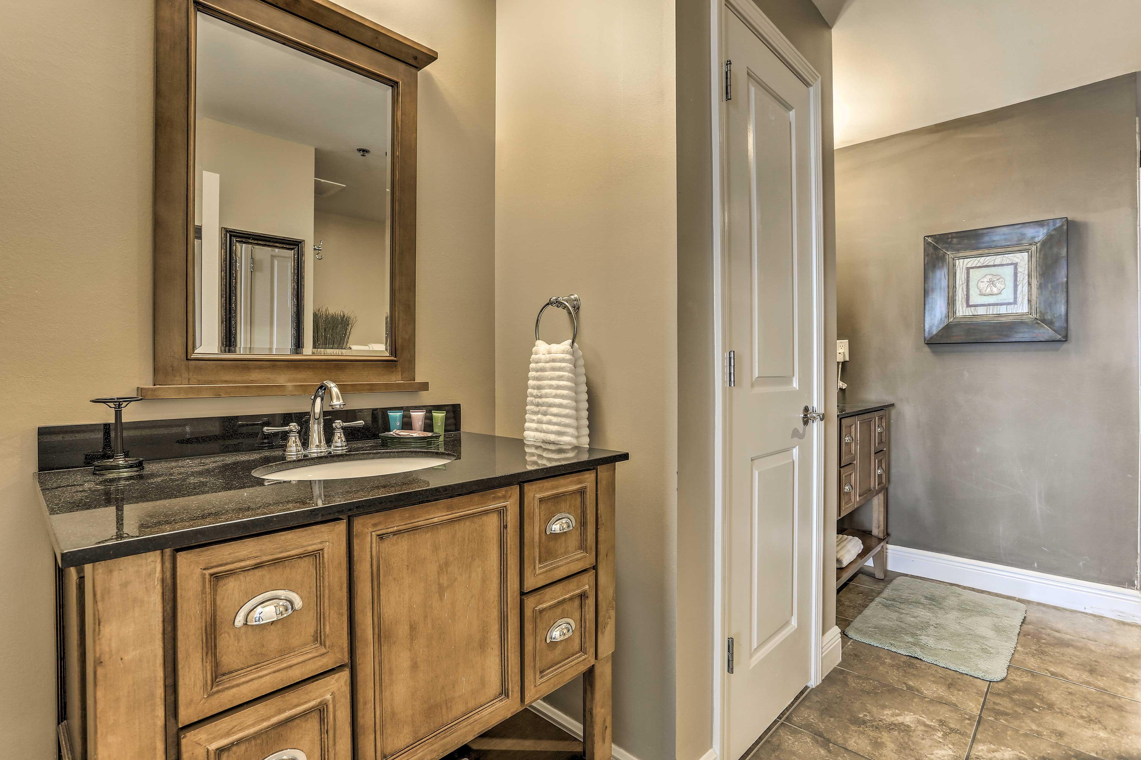 Full Bathroom   Double Vanity