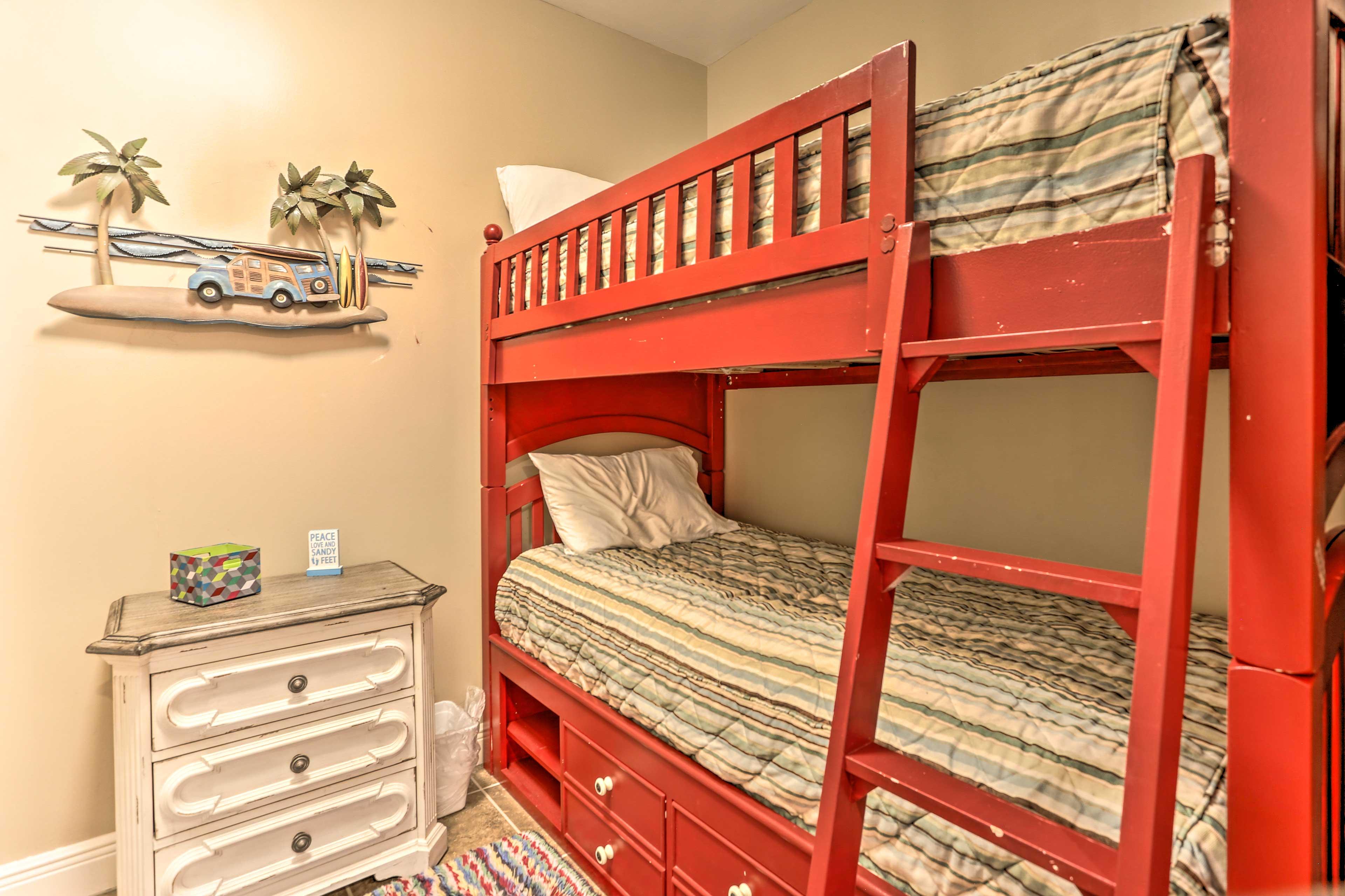 Bedroom 3   Twin Bunk Bed