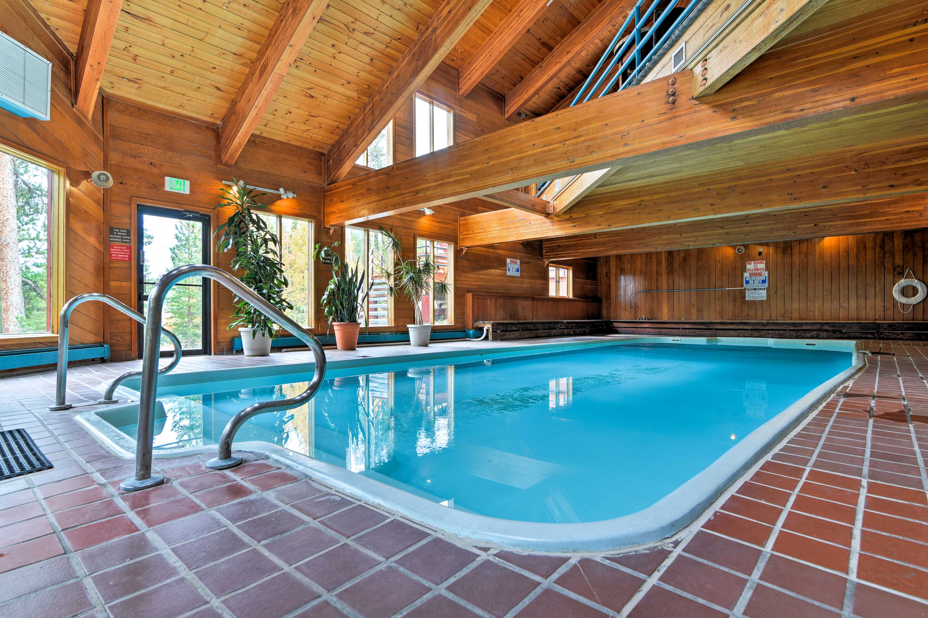 With access to top-notch community amenities, this home for 6 is 5-star.