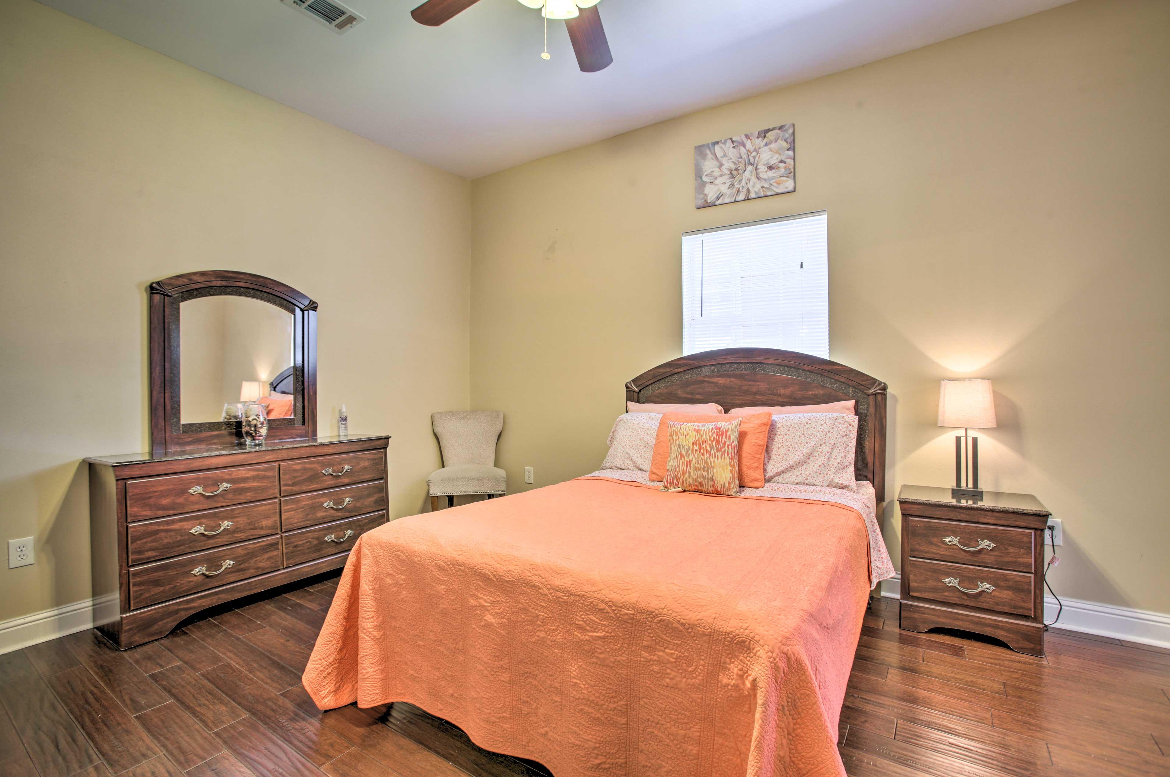 Bedroom 2 | Queen Bed | En-Suite Bathroom