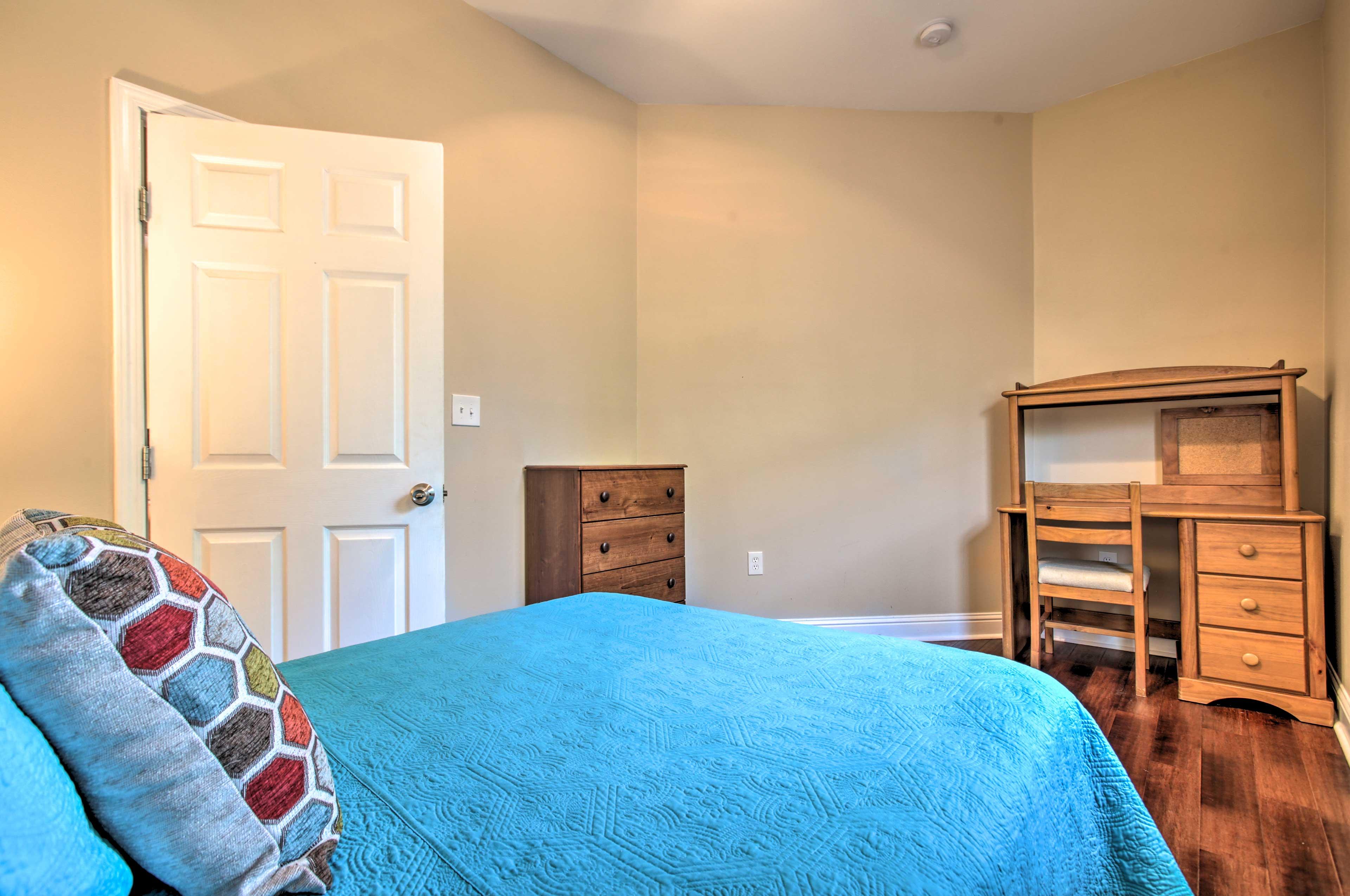 Bedroom 3 | Laptop-Friendly Workspace