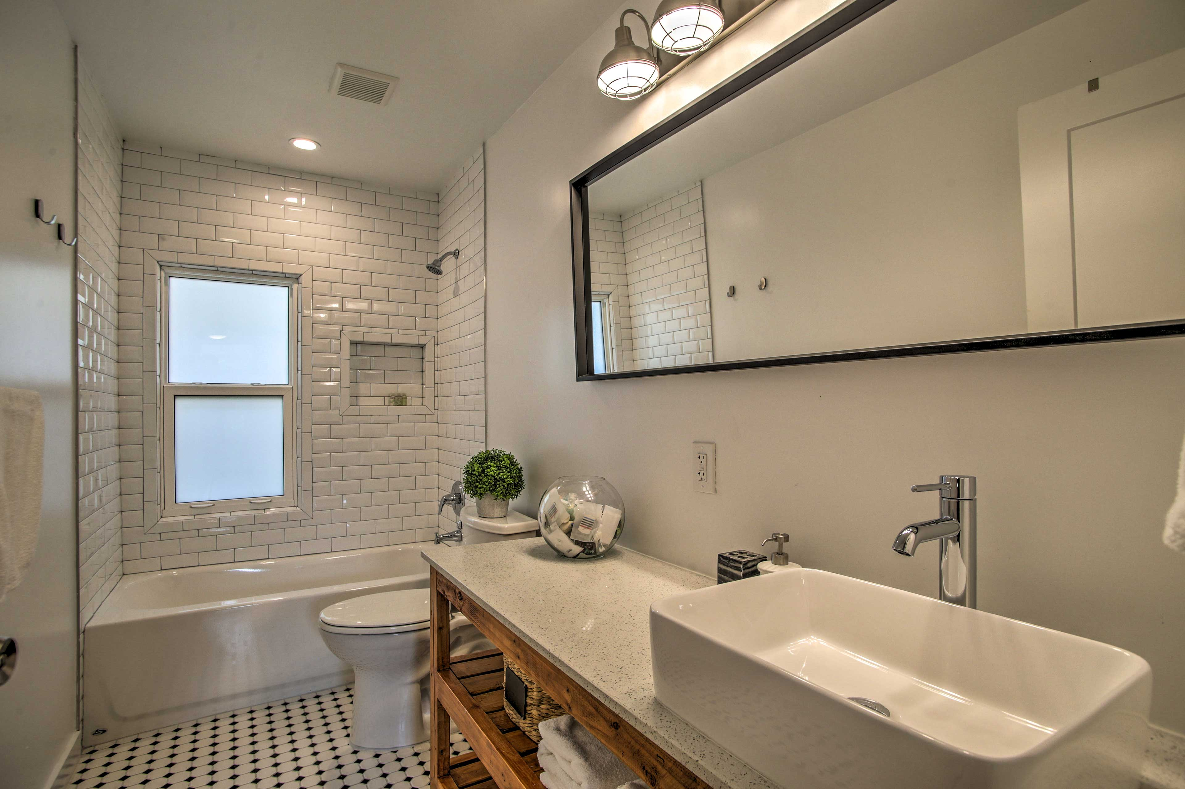 Both bedrooms are connected to full en-suite bathrooms.