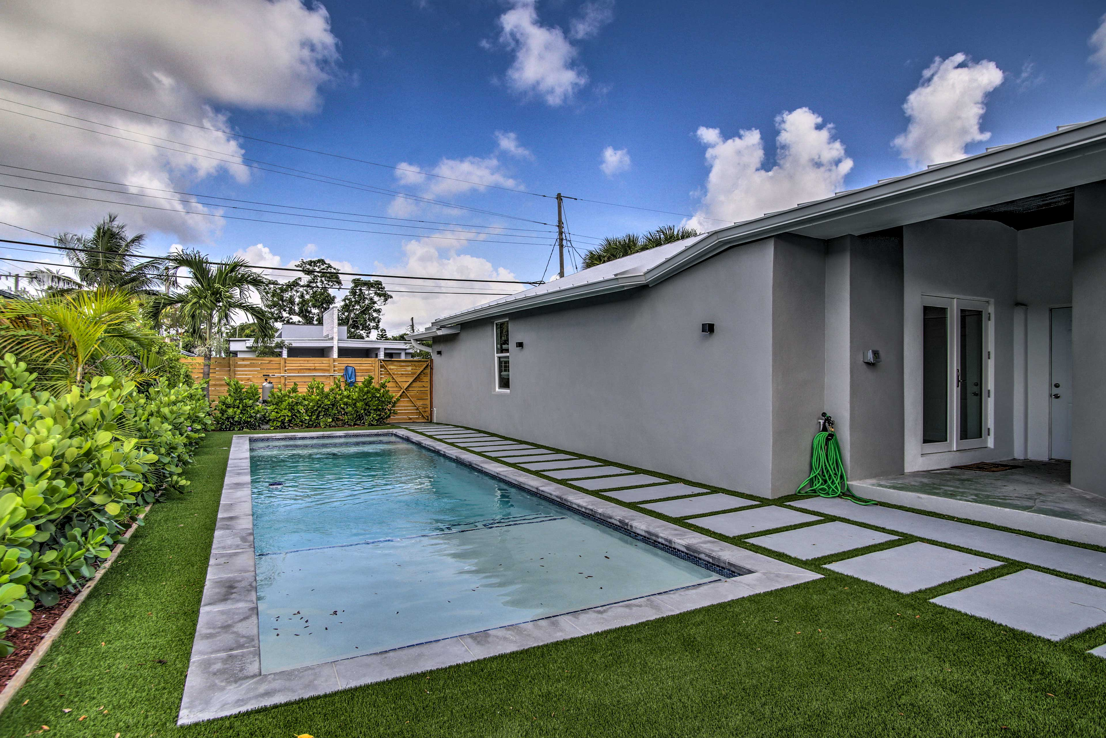 The home is located in a fully fenced duplex.