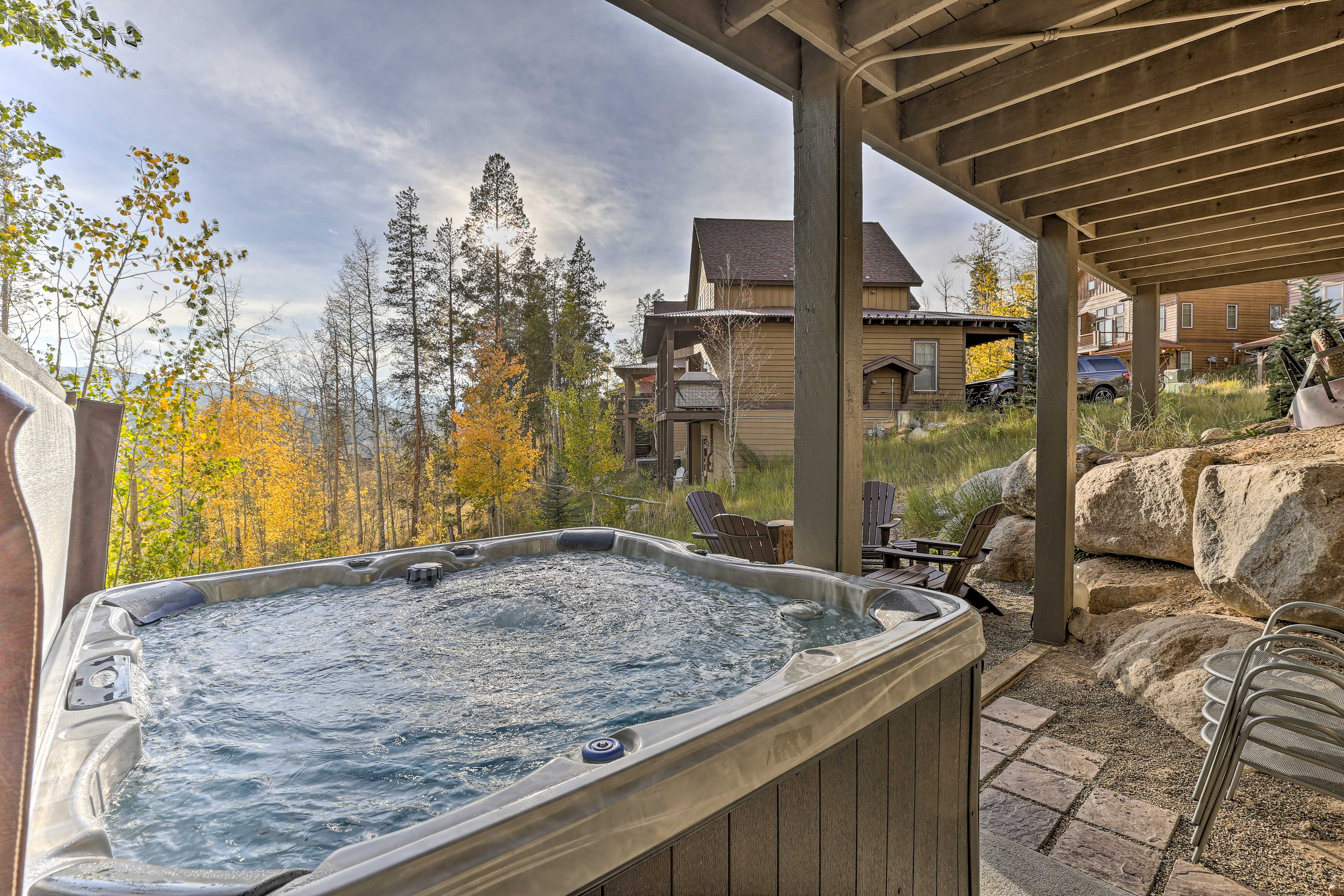 The views from this hot tub are simply breathtaking!