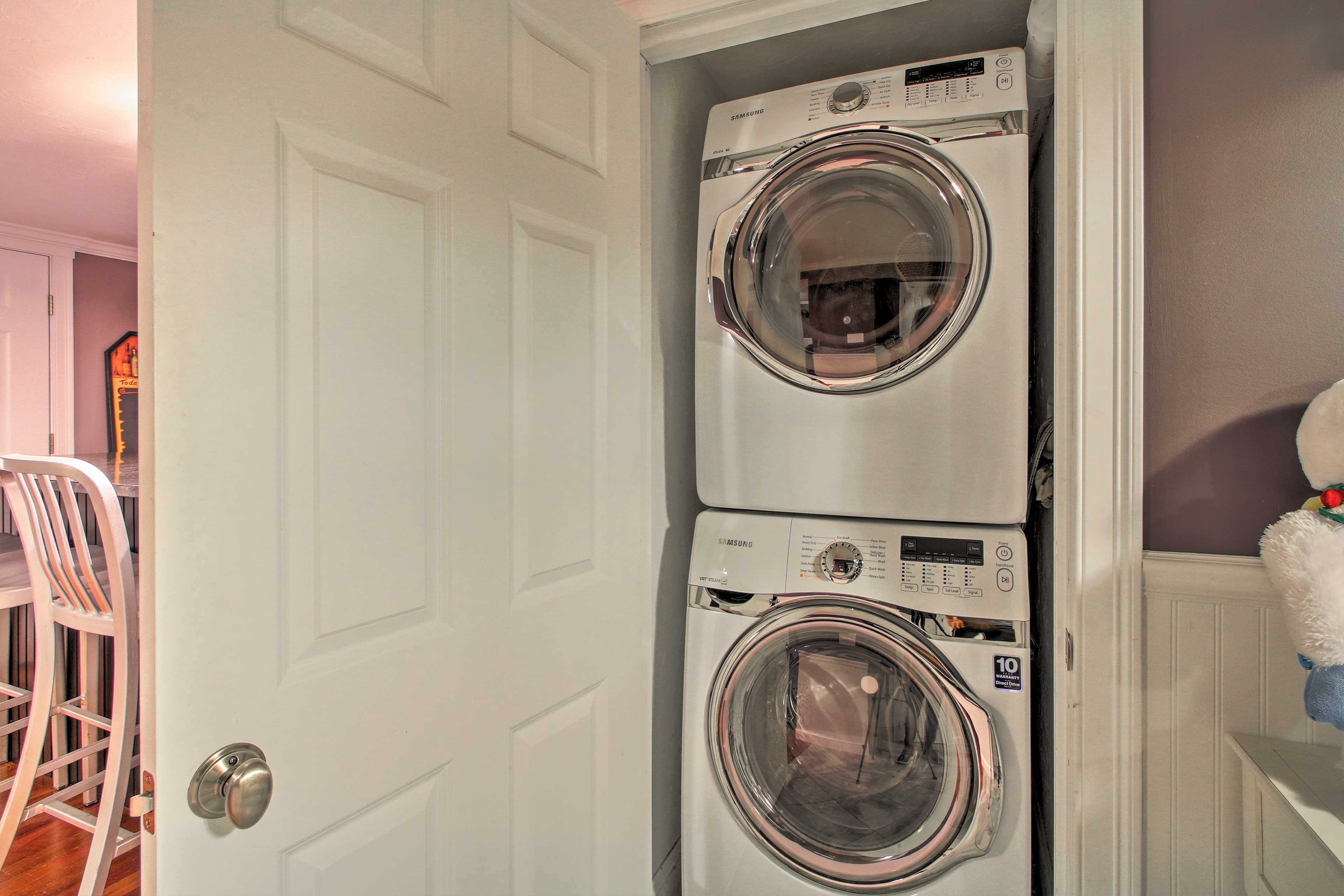 Keep your dirty duds looking fresh with the in-unit laundry machines!