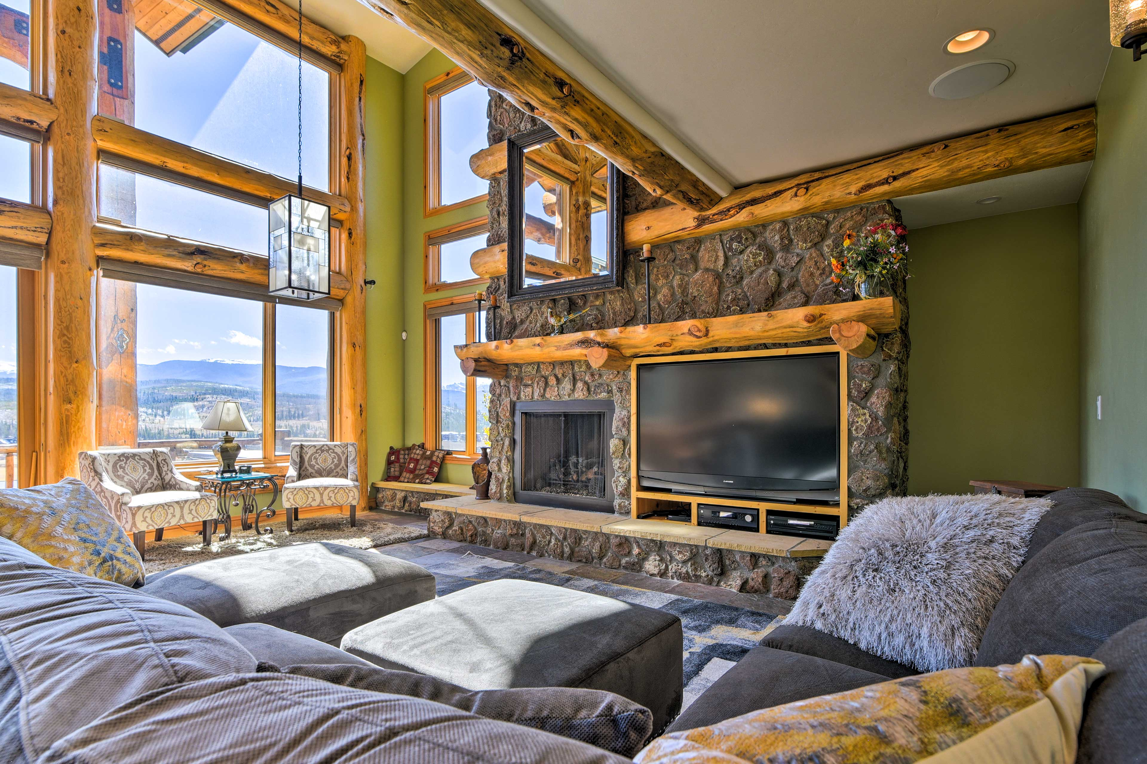 Living Area | Flat-Screen TV w/ DirecTV | Amazon Fire Stick | Surround Sound