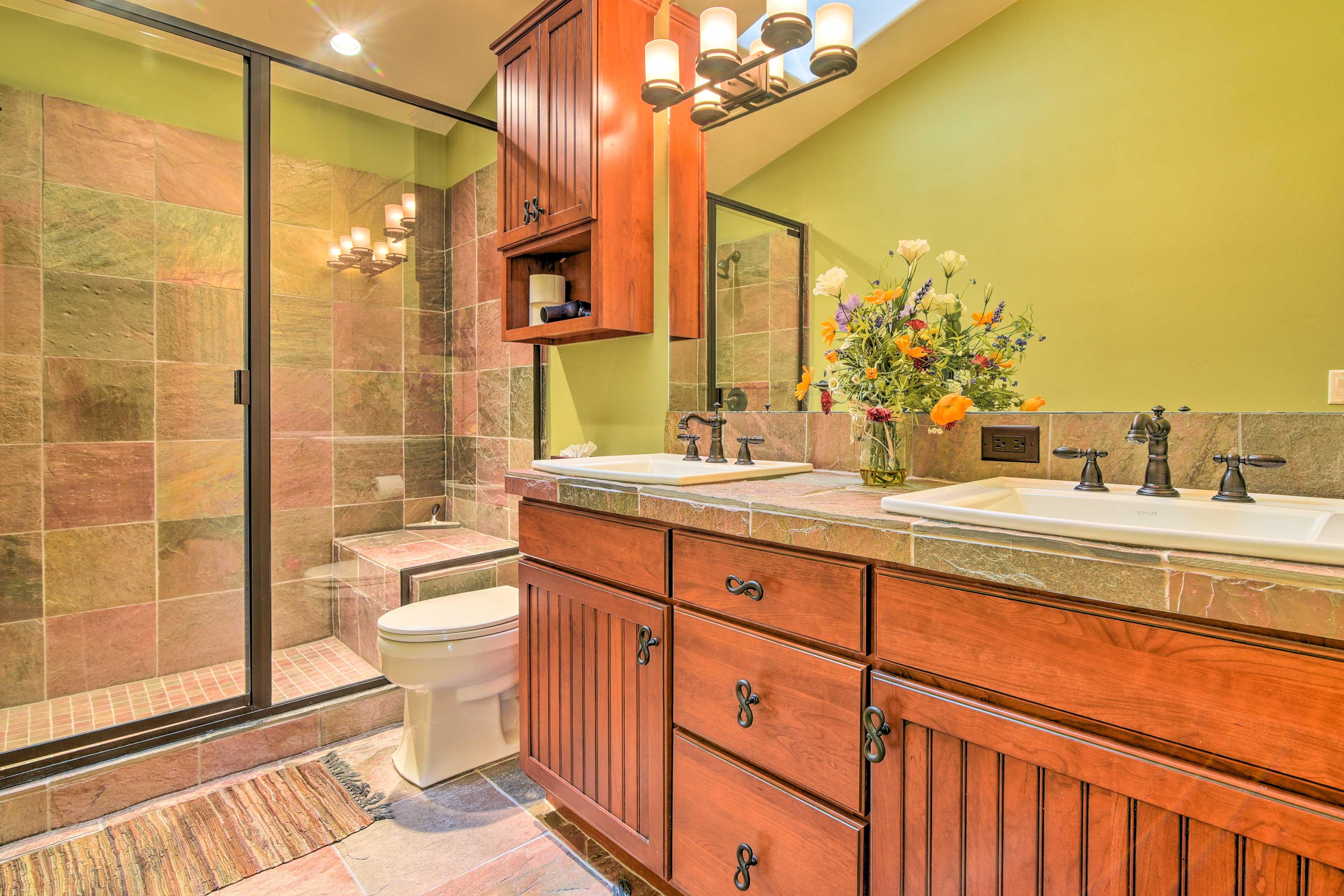 Full Bathroom | Dual Sinks | Step-In Shower