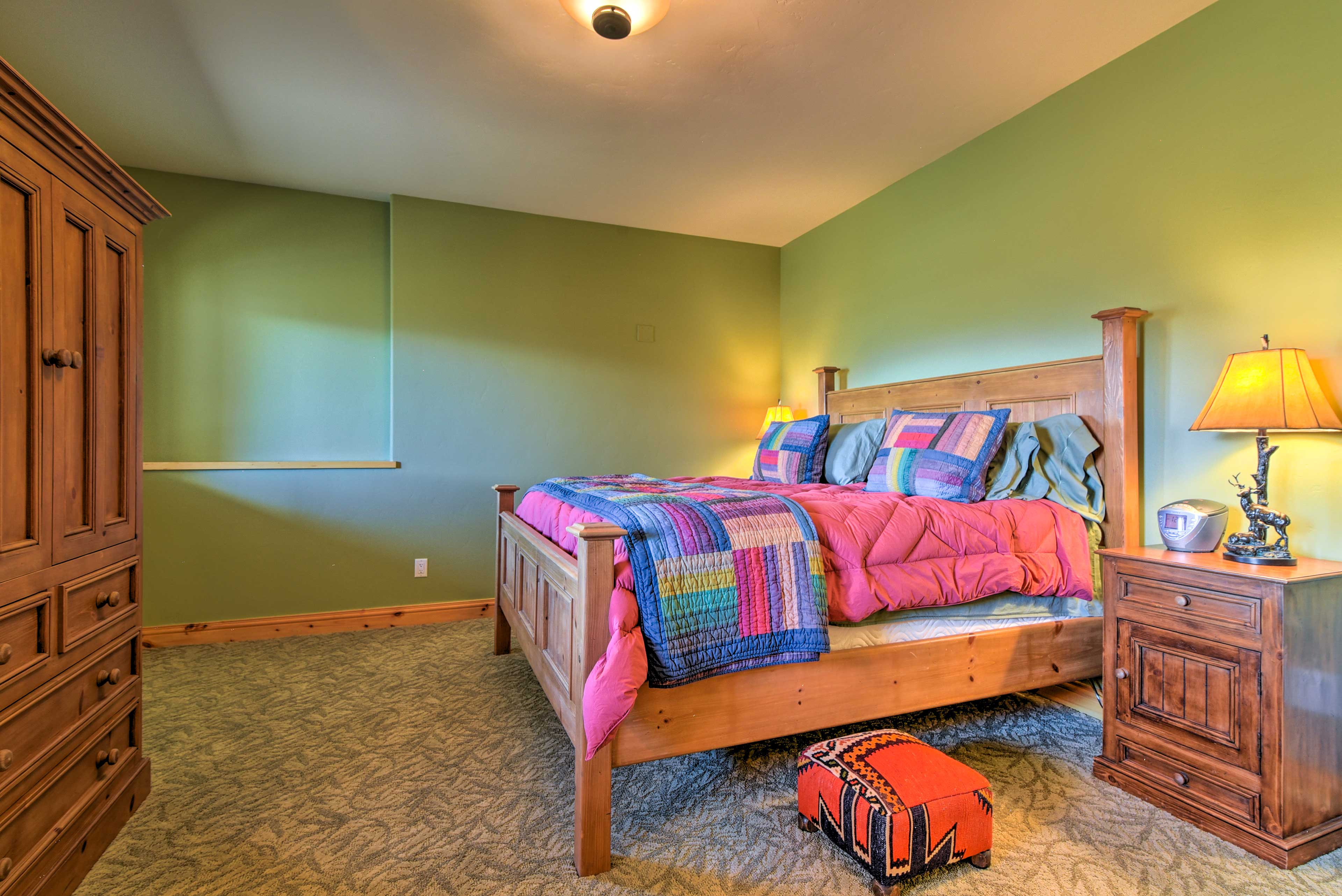 Bedroom 4 | King Bed
