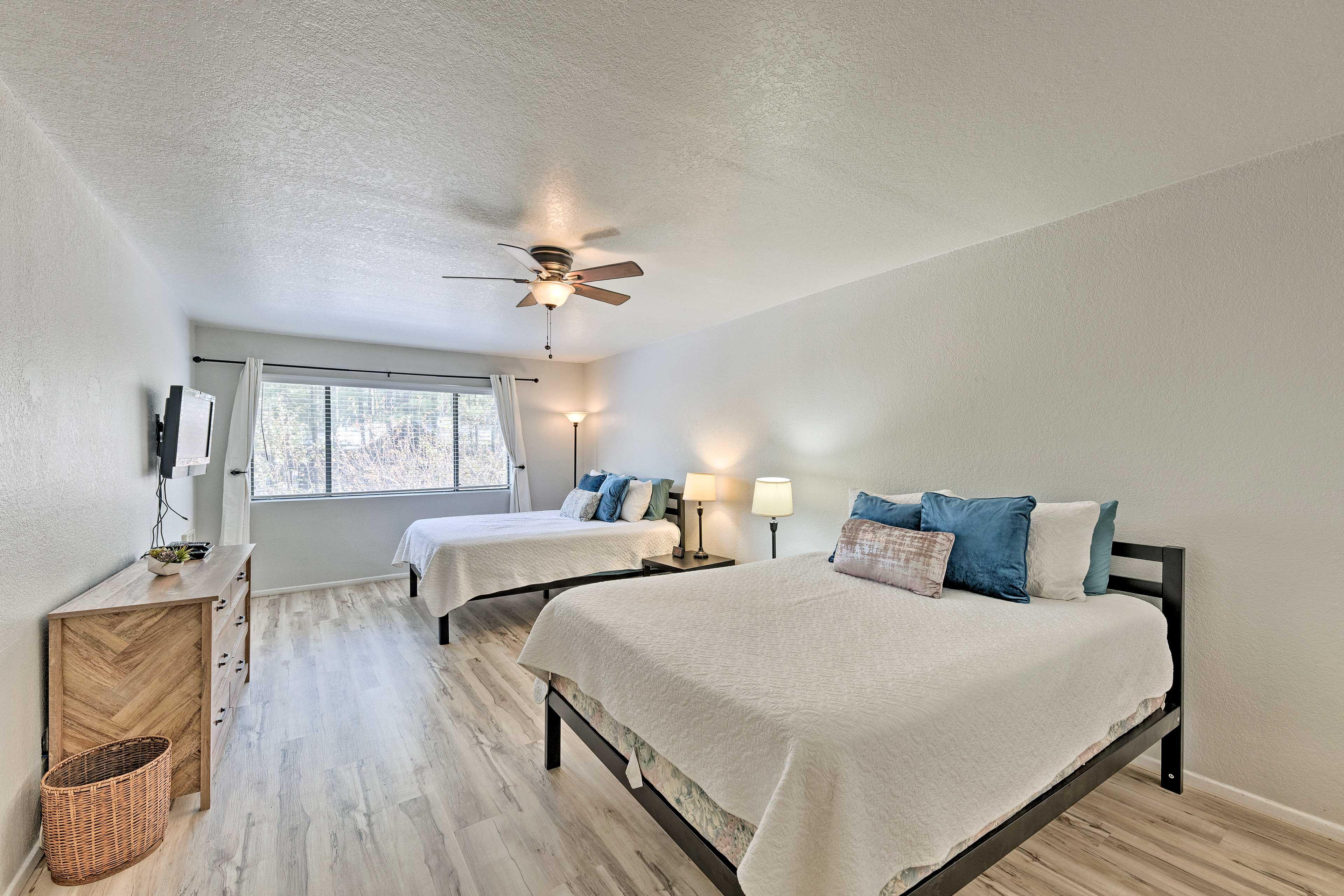 Master Bedroom   2 Queen Beds