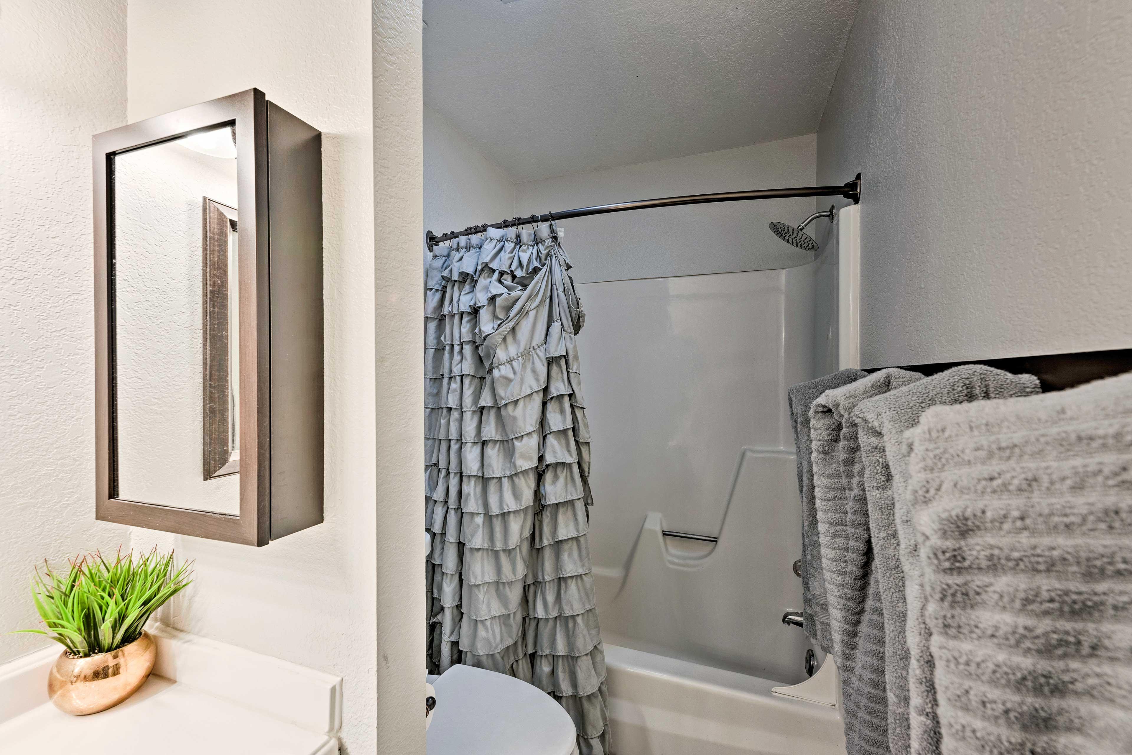 Full Bathroom 1   Complimentary Toiletries