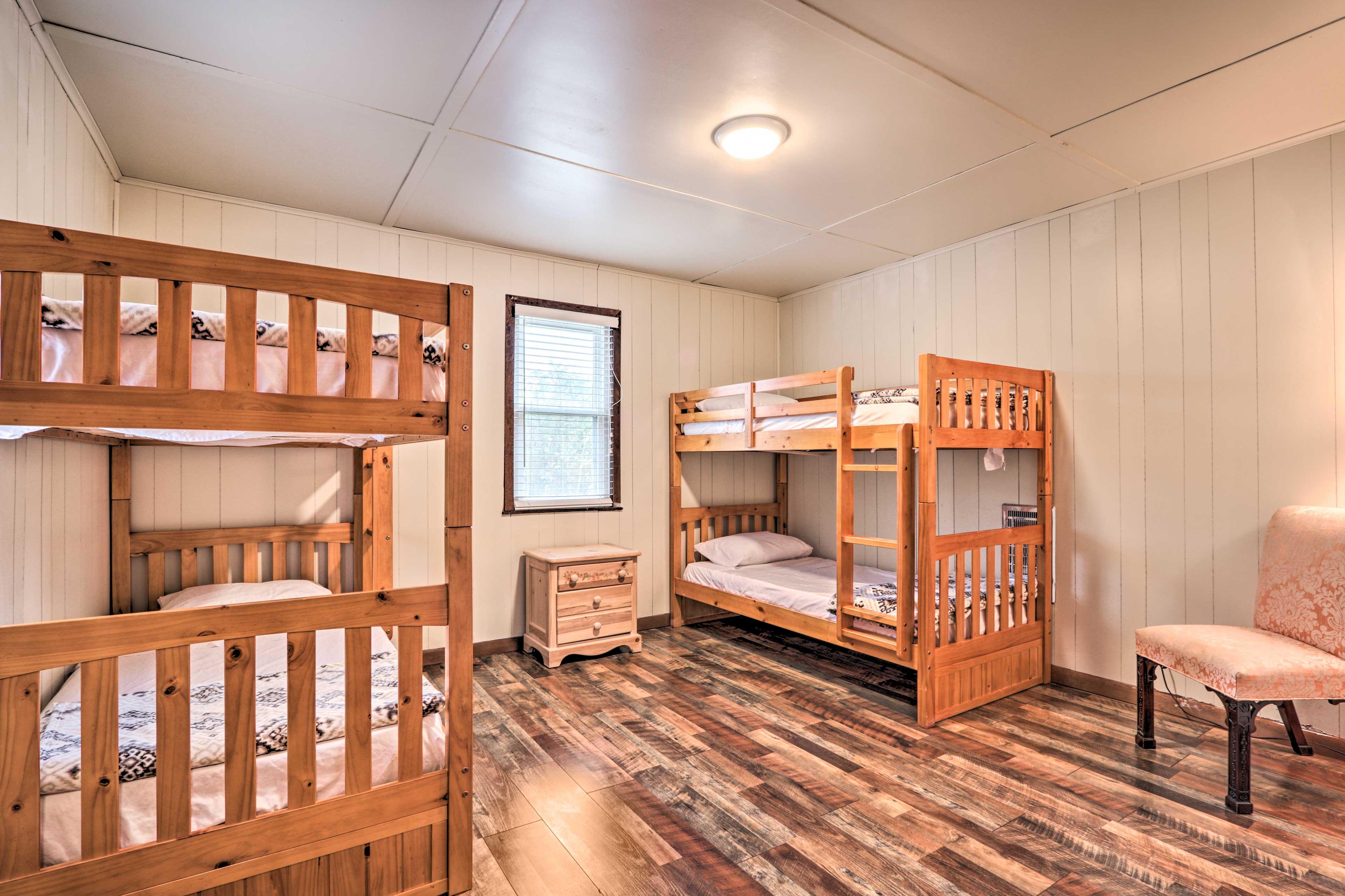 Bedroom 4   2 Twin Bunk Beds